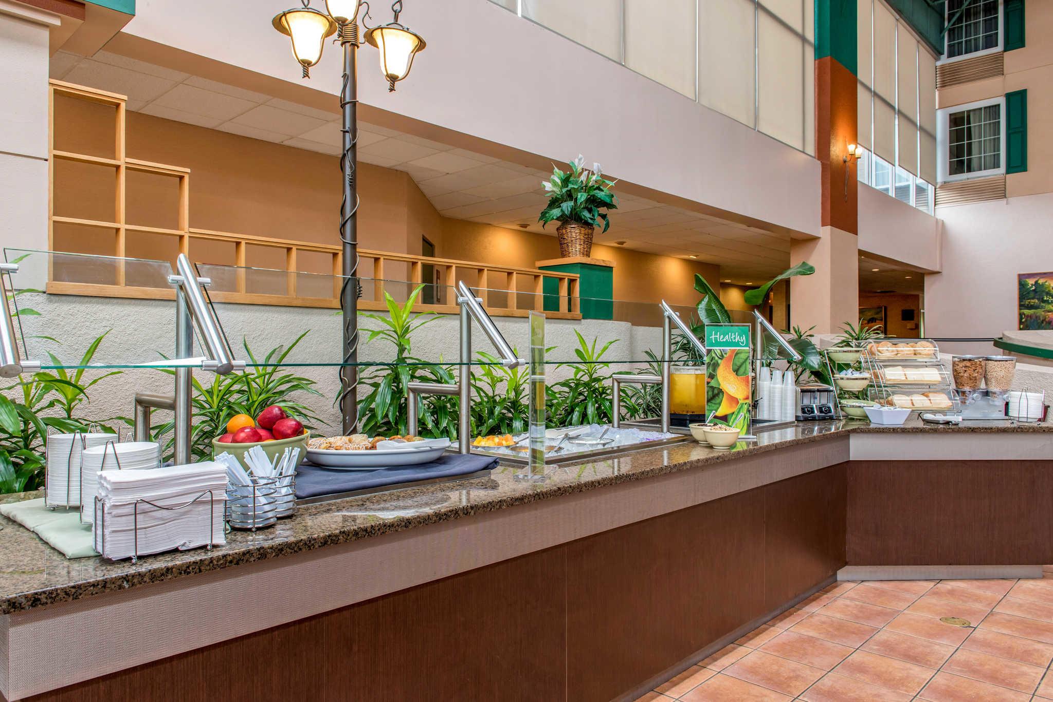 Quality Hotel - Cincinnati Blue Ash image 26
