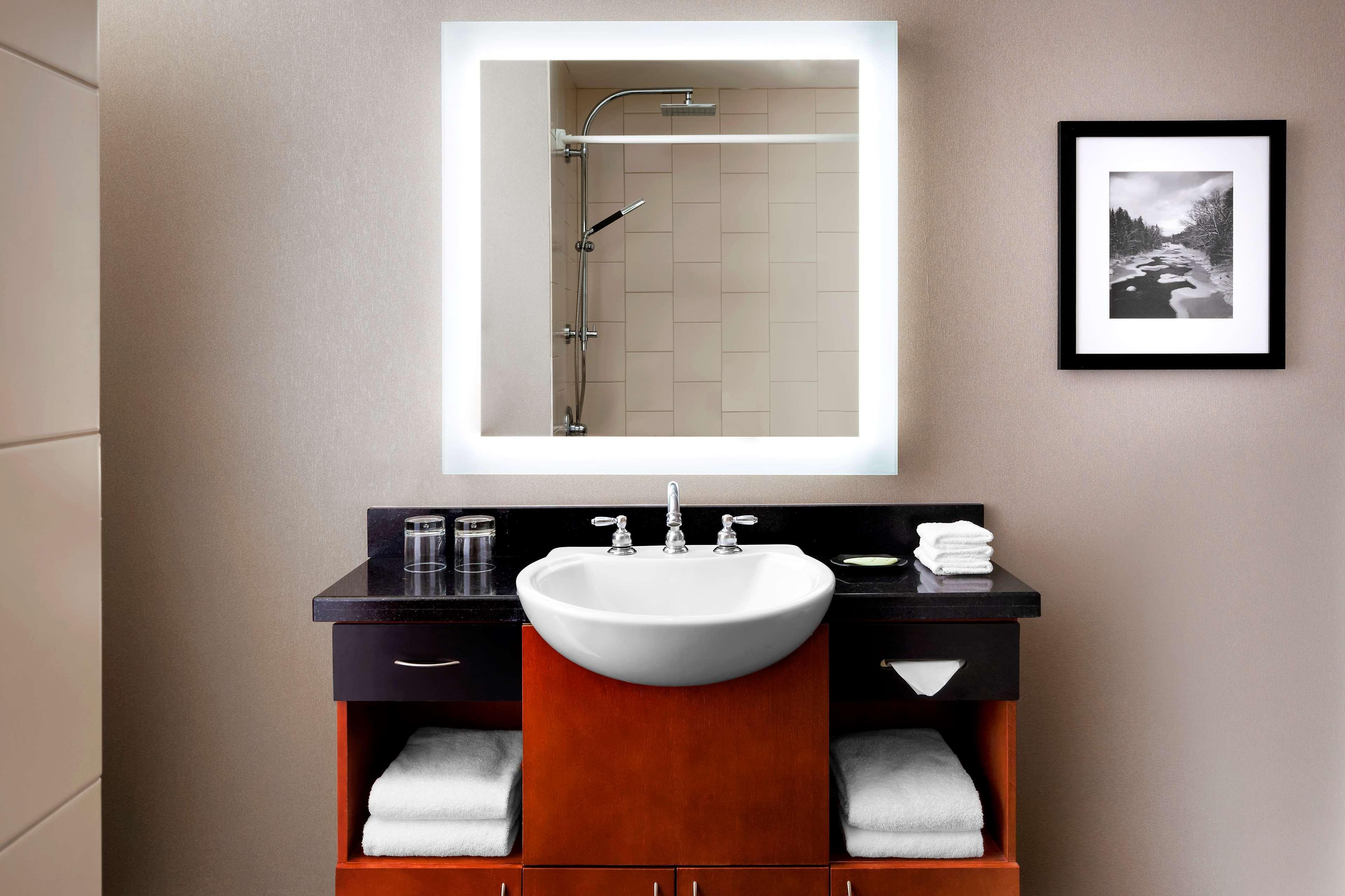 Le Westin Resort & Spa, Tremblant, Quebec à Mont Tremblant: Guest Bathroom