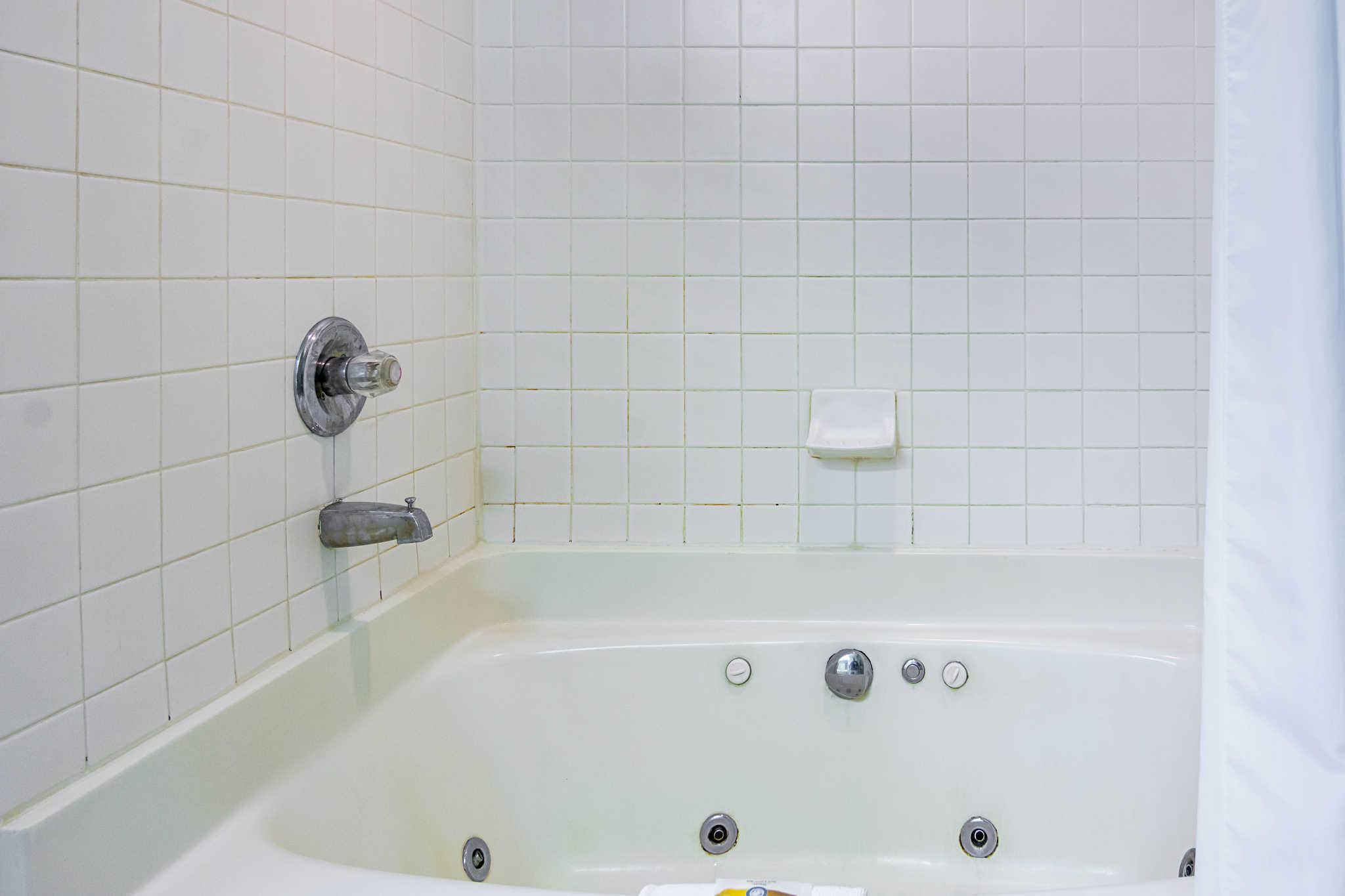 Quality Inn & Suites Kearneysville - Martinsburg image 19