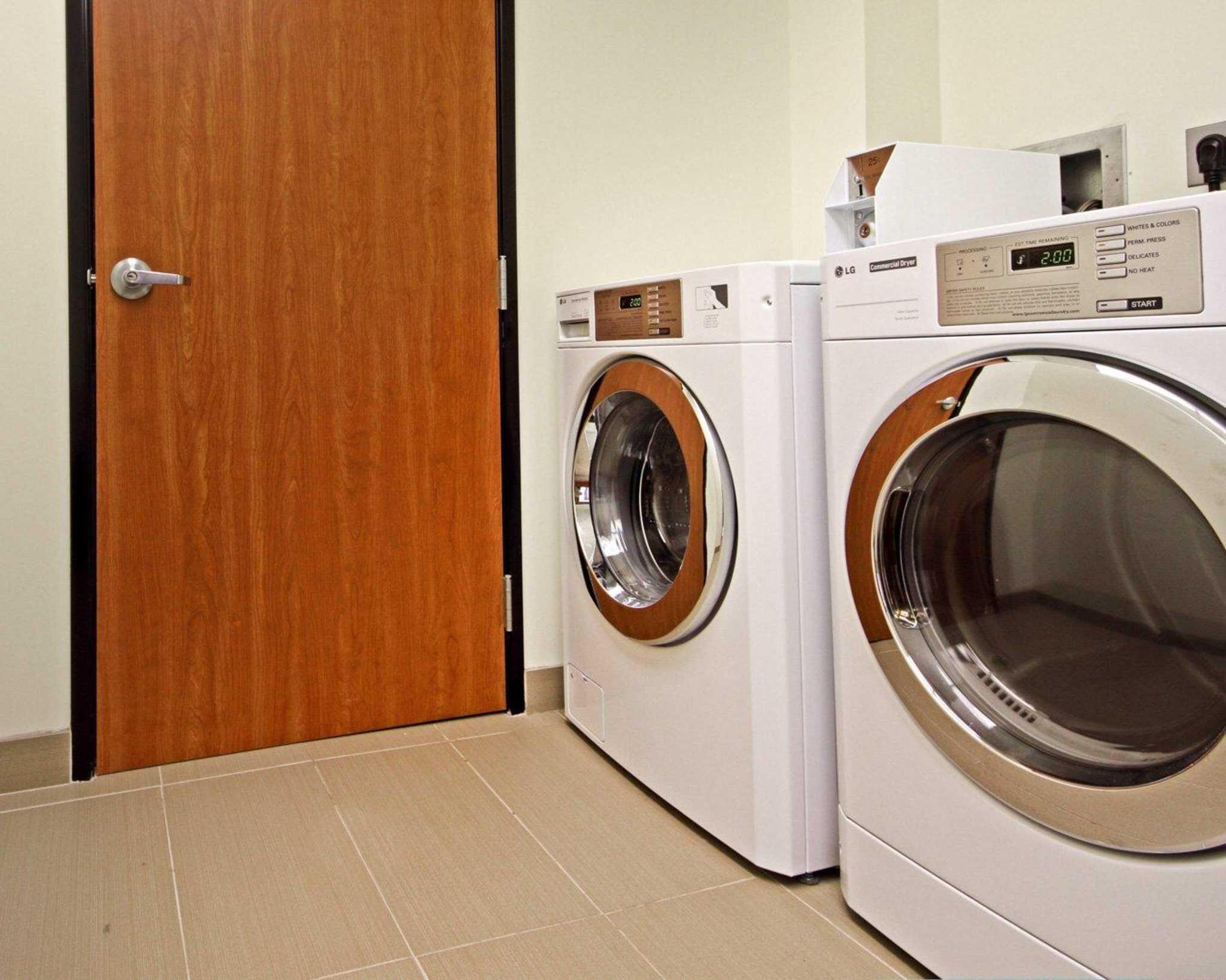 Comfort Suites Redding - Shasta Lake image 28