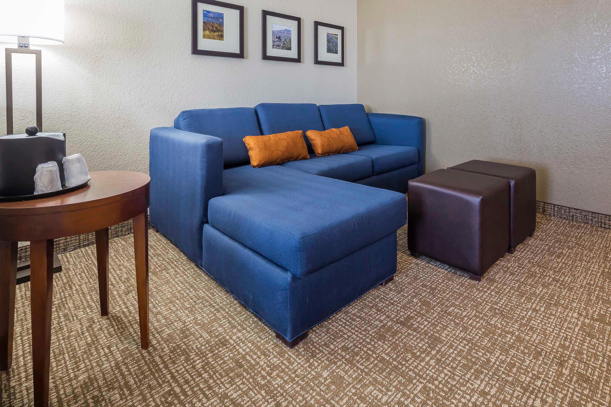 Comfort Suites El Paso Airport image 11