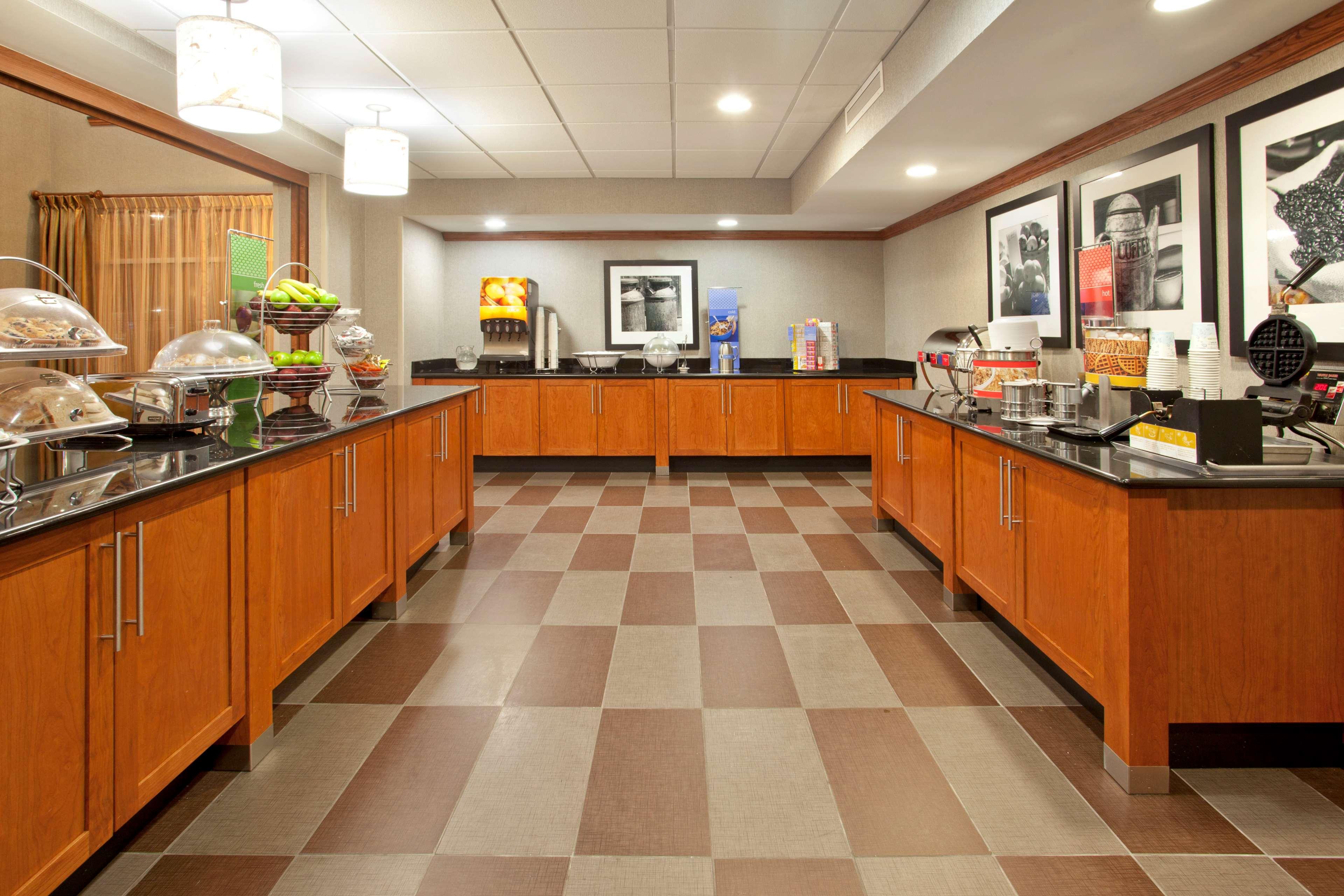 Hampton Inn & Suites Fort Worth-West-I-30 image 7