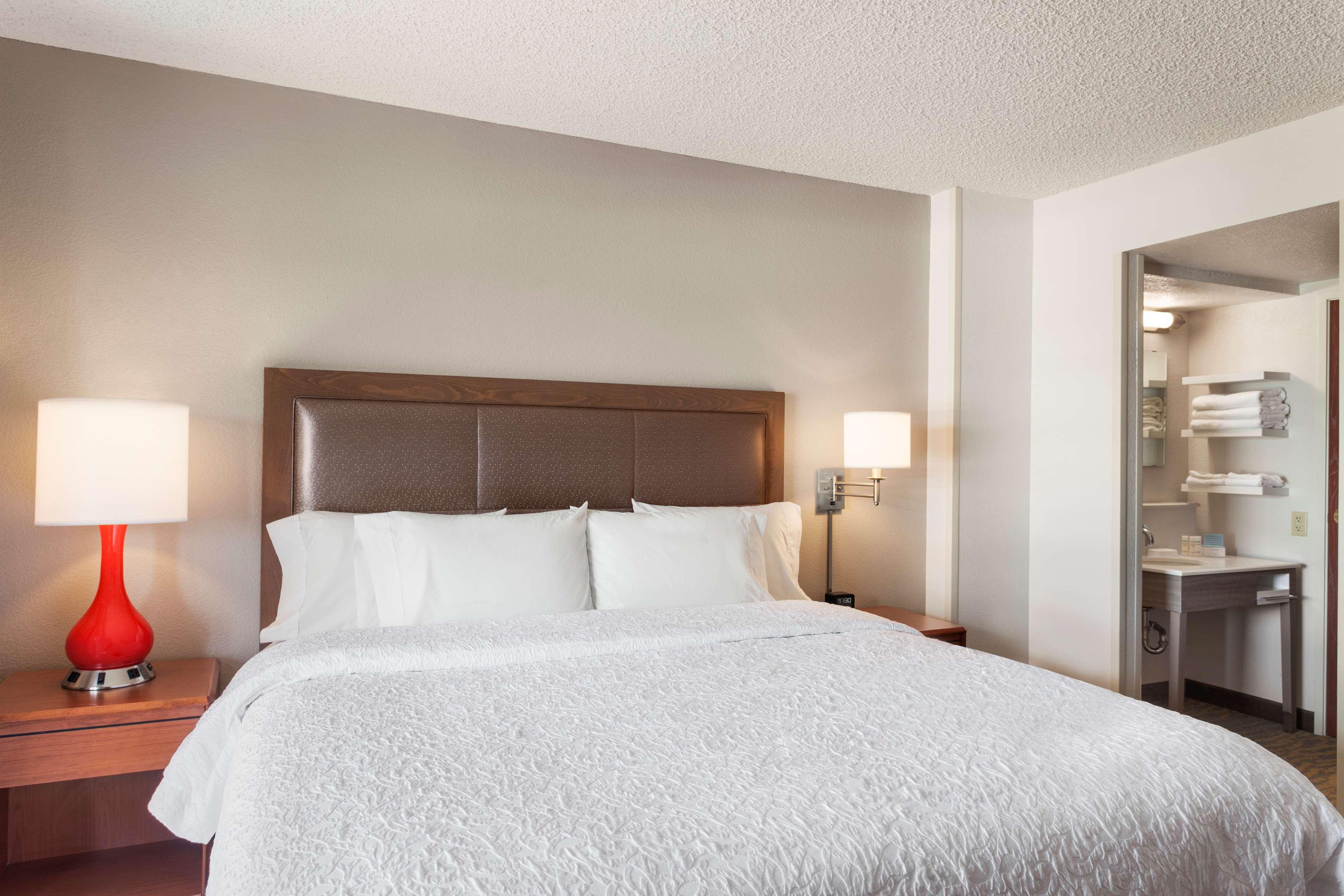 Hampton Inn & Suites Denver-Cherry Creek image 16