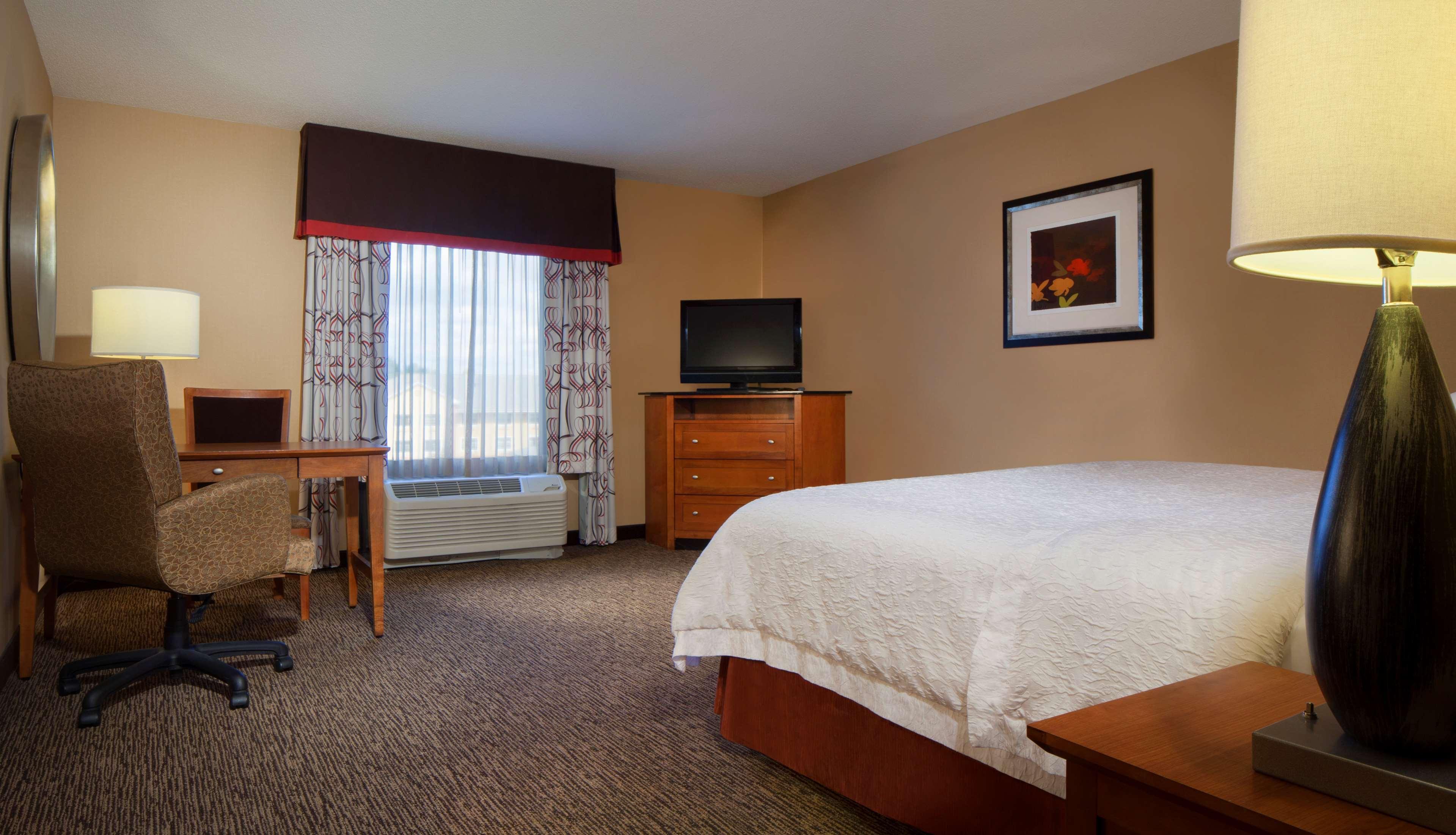 Hampton Inn & Suites Columbus-Easton Area image 28