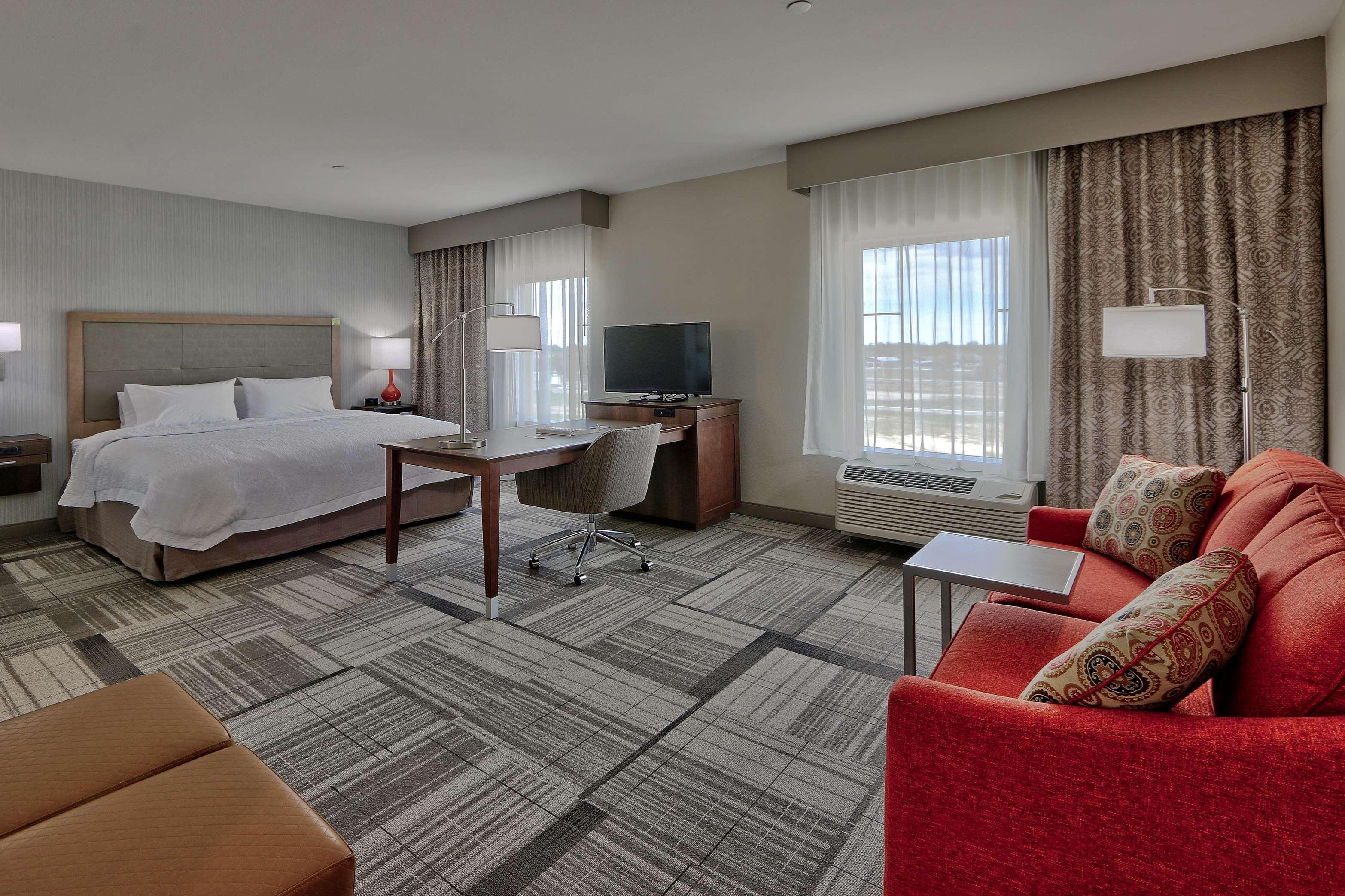 Hampton Inn & Suites Artesia image 30