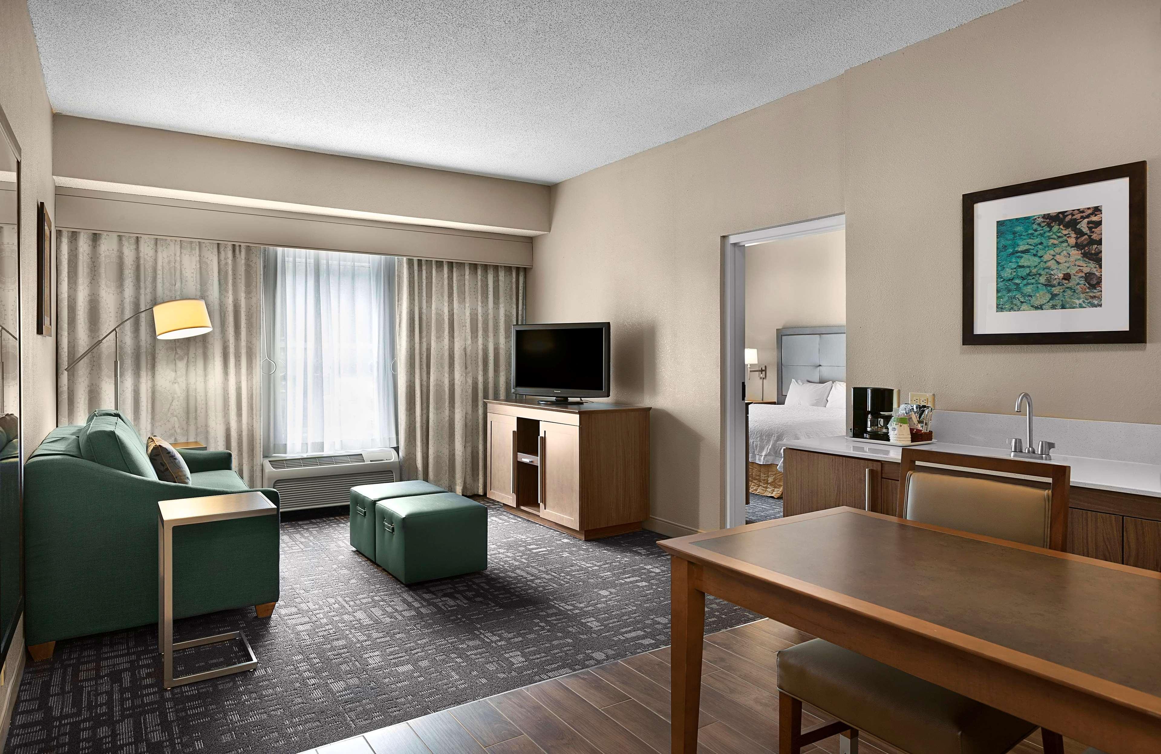 Hampton Inn & Suites Charlotte/Pineville image 30