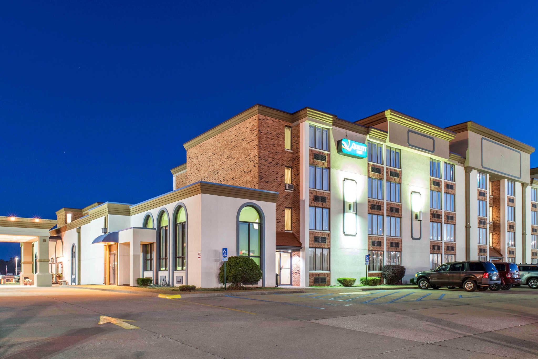 Hotels Near Festus Mo