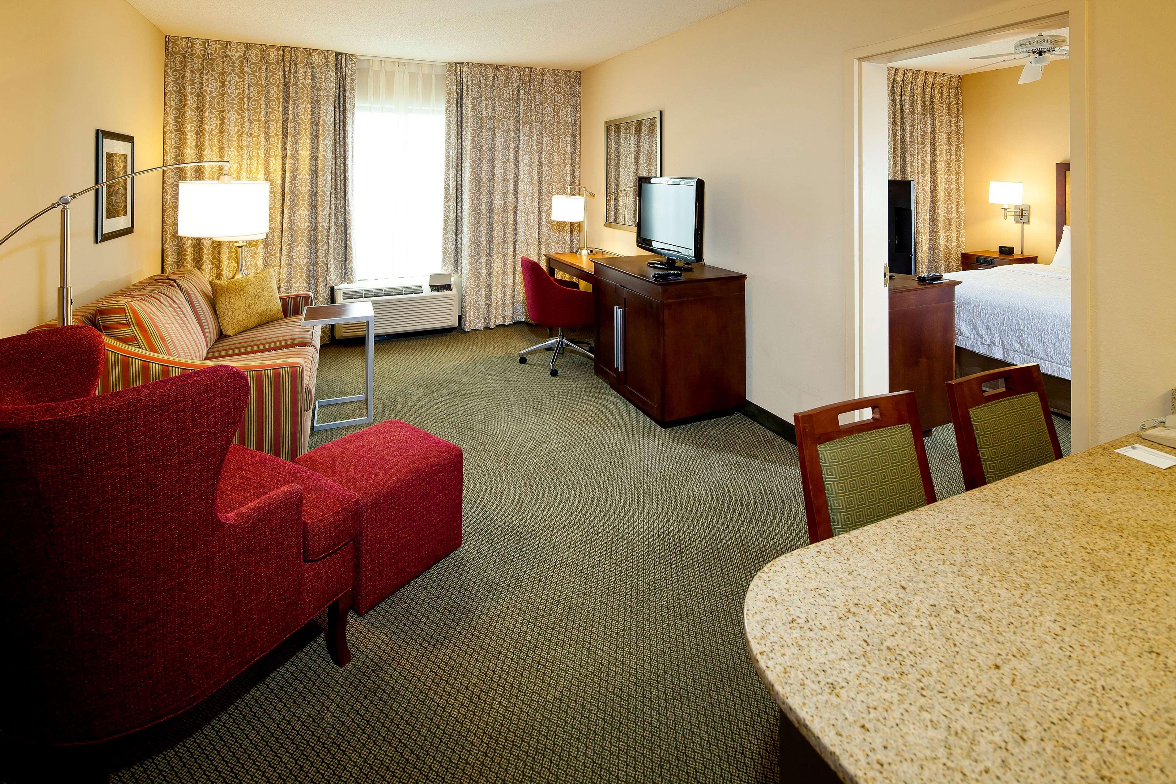 Hampton Inn & Suites Nashville-Green Hills image 18
