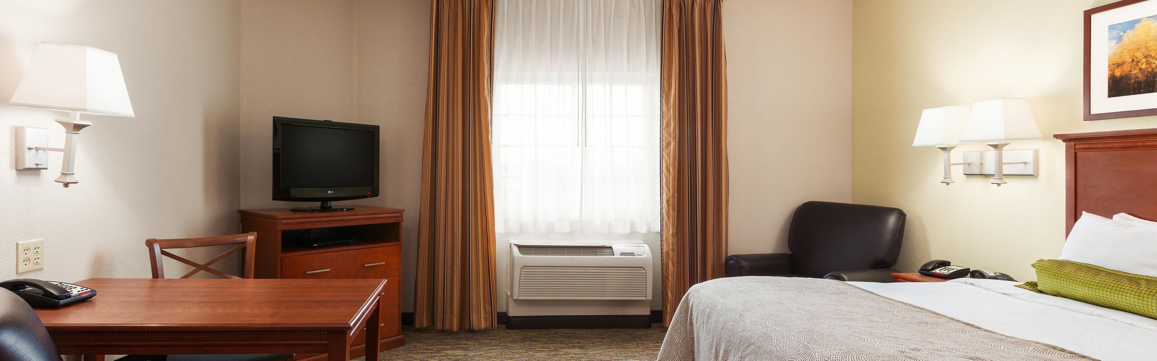 Candlewood Suites Lake Jackson-Clute image 1