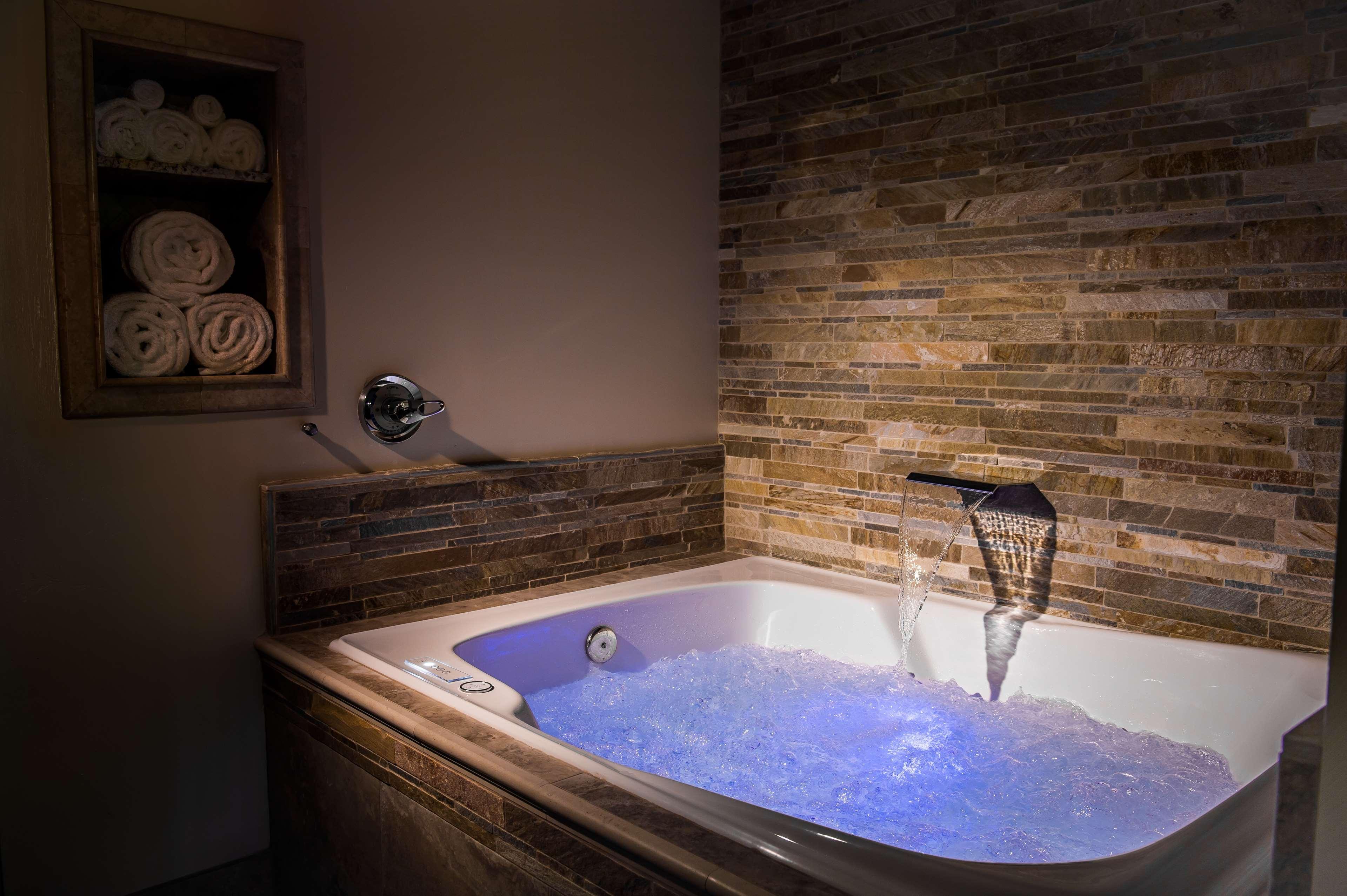 Best Western Plus Arroyo Roble Hotel & Creekside Villas image 31