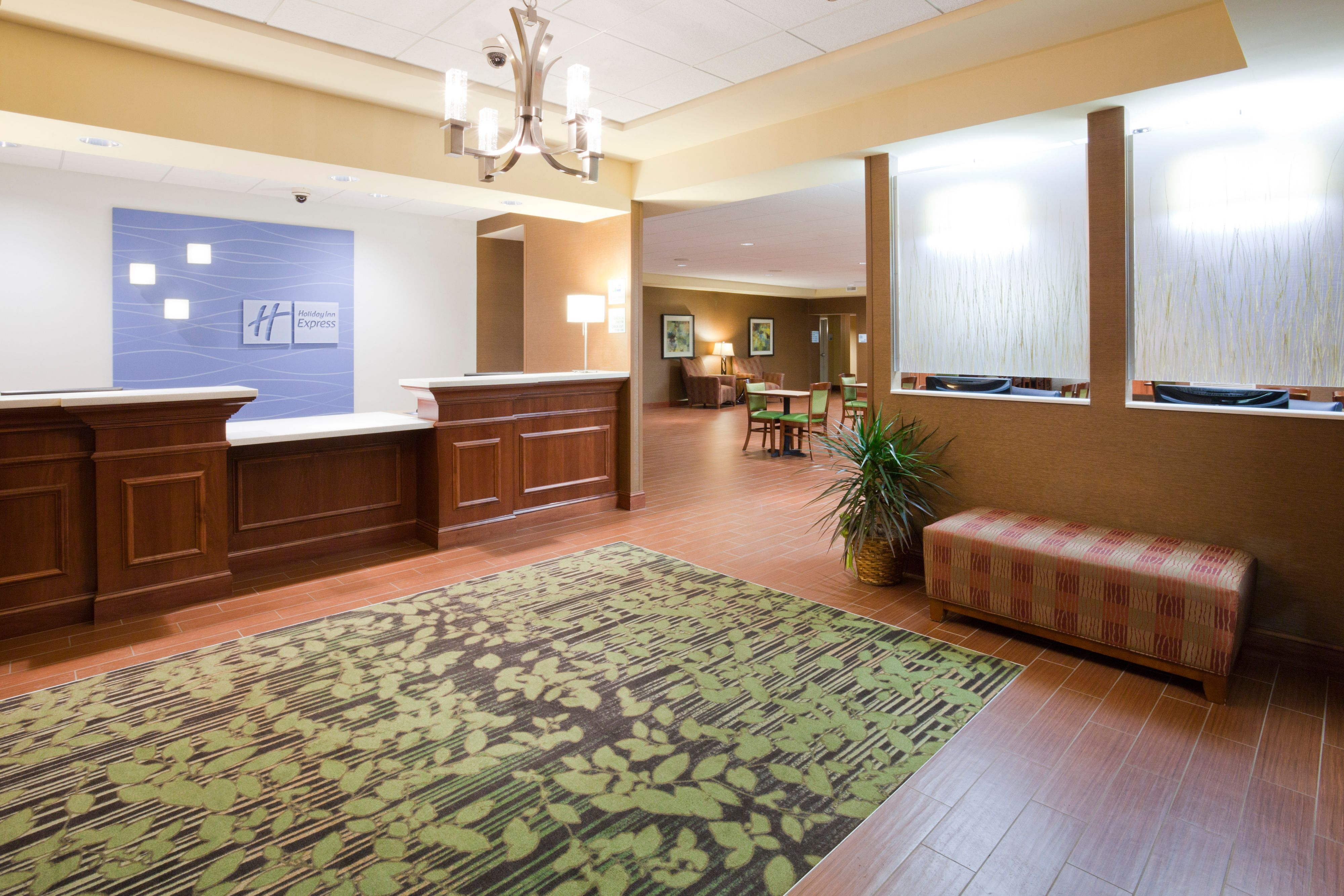 Holiday Inn Express & Suites Willmar image 4