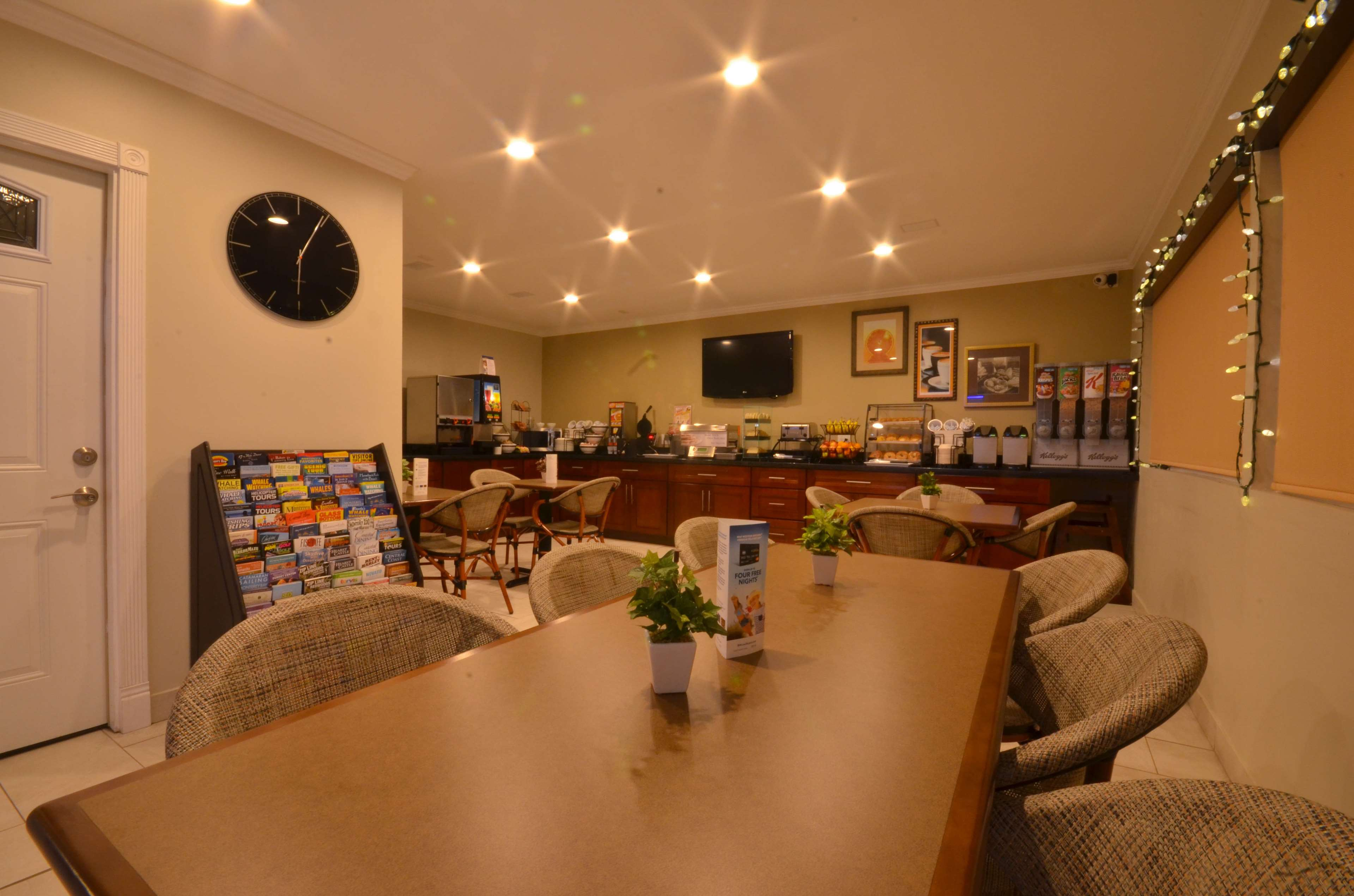 Best Western The Inn & Suites Pacific Grove image 9