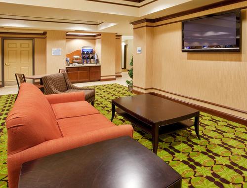 Holiday Inn Express Yreka-Shasta Area image 1
