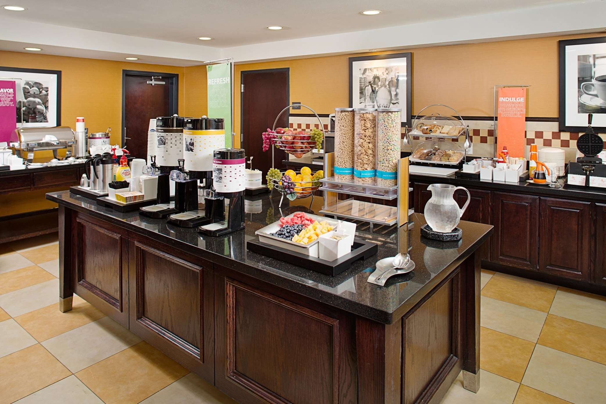 Hampton Inn & Suites Dallas/Lewisville-Vista Ridge Mall, TX image 35
