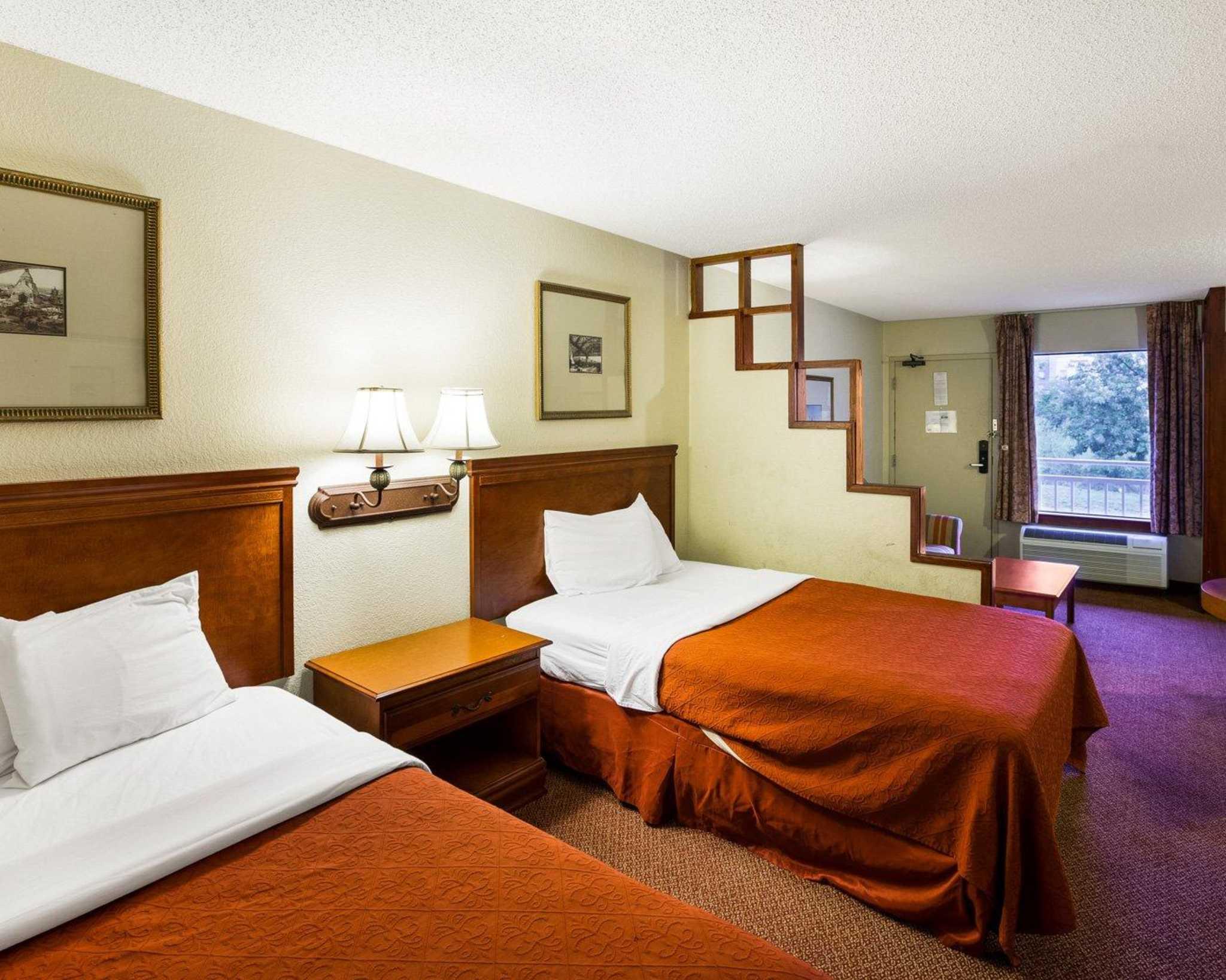 Rodeway Inn & Suites Fiesta Park image 35