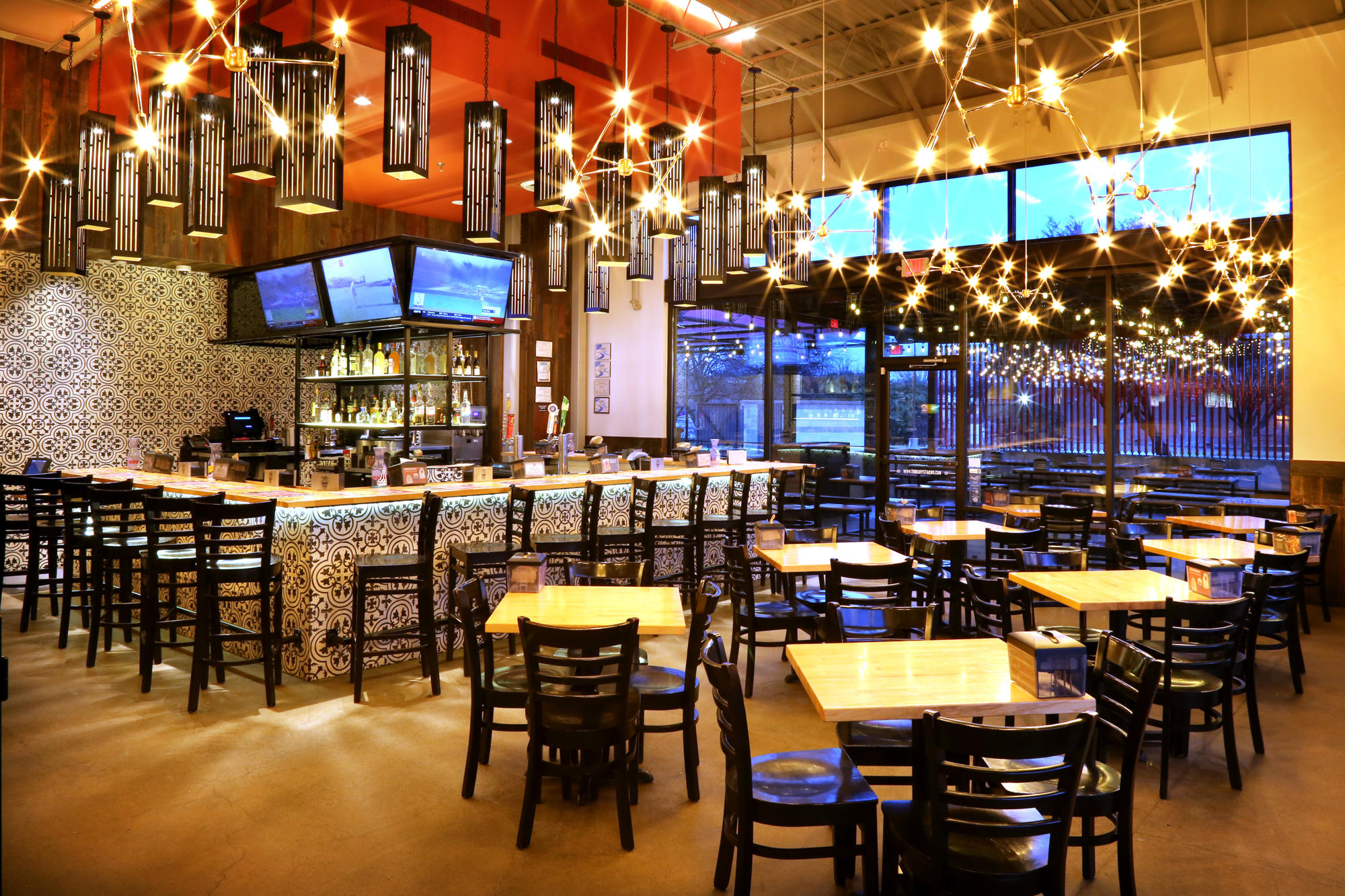 Torchy's Tacos image 1