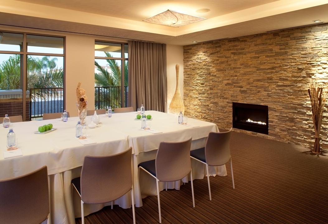 kimpton shorebreak hotel at 500 pacific coast highway. Black Bedroom Furniture Sets. Home Design Ideas