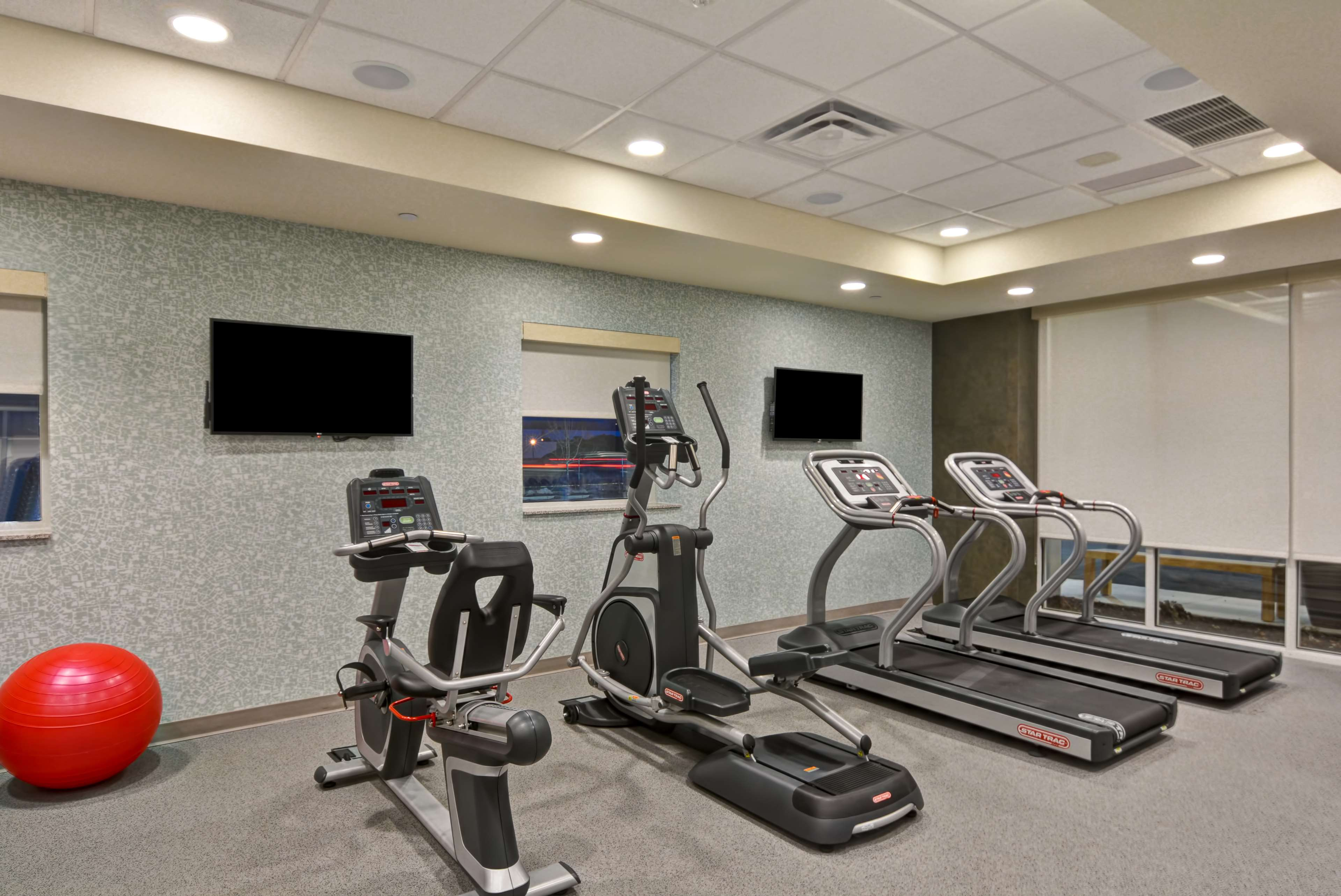 Home2 Suites by Hilton Green Bay image 11