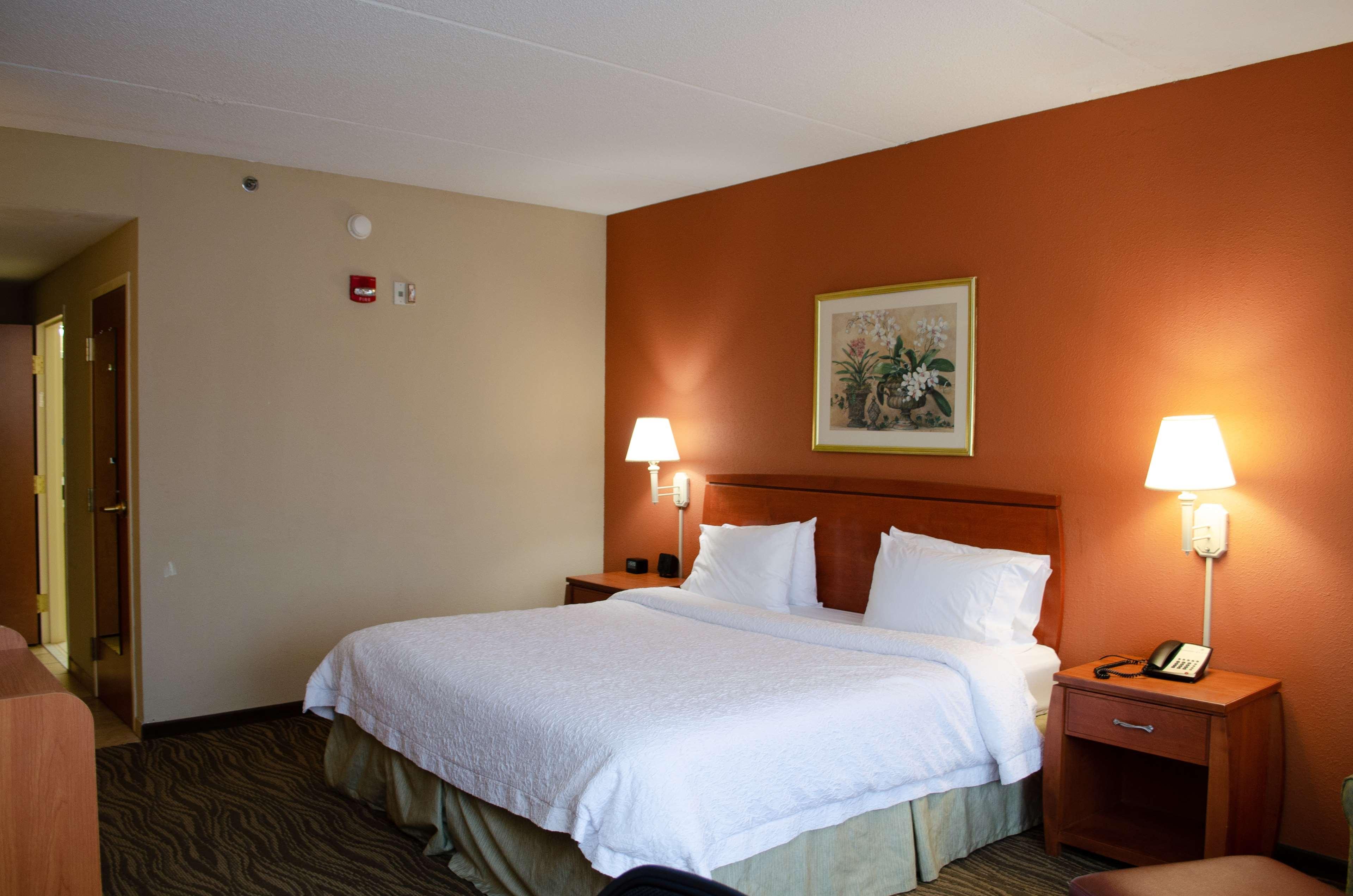 Hampton Inn & Suites Augusta West image 19