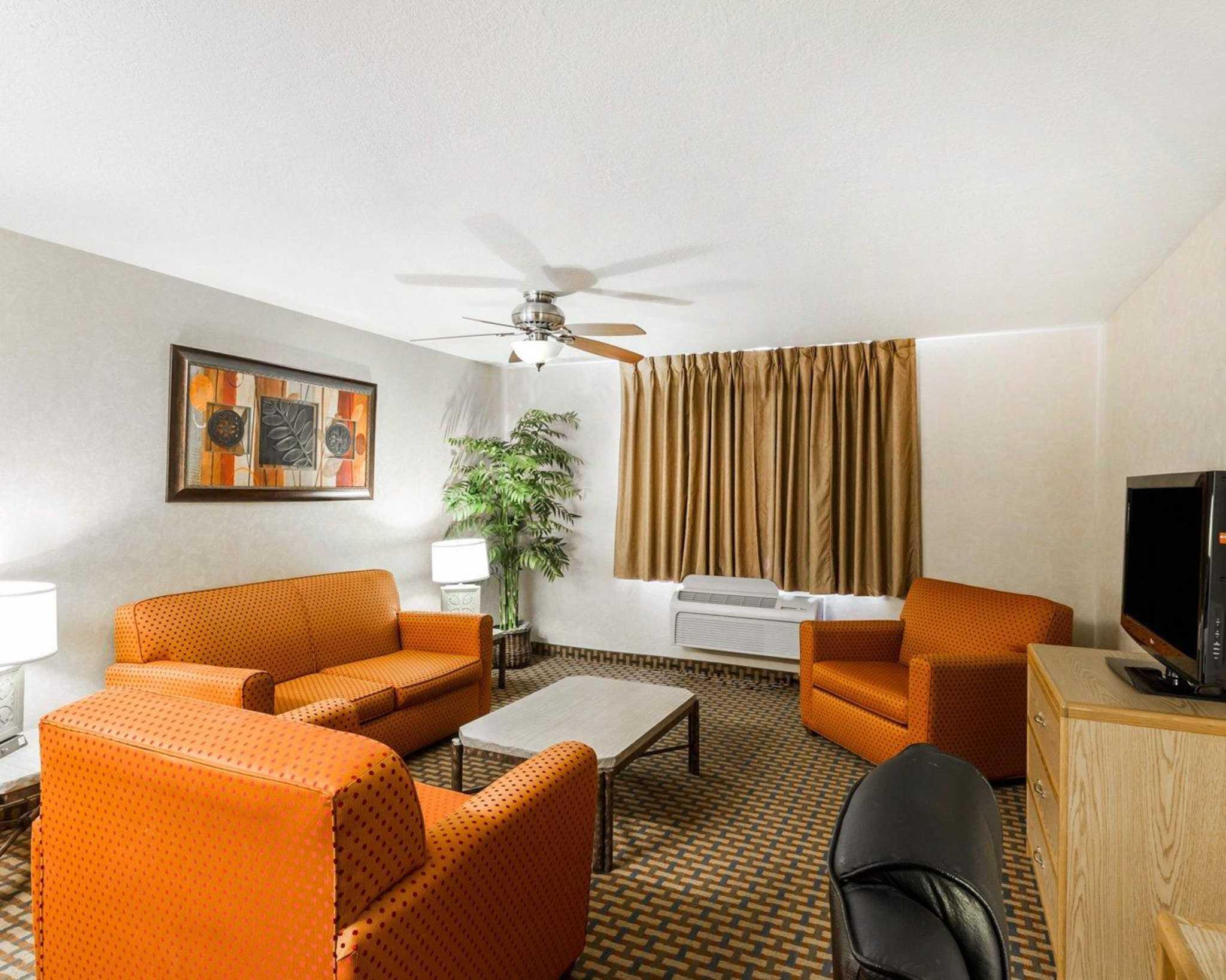 Quality Inn & Suites Surprise Near Sun City West image 31
