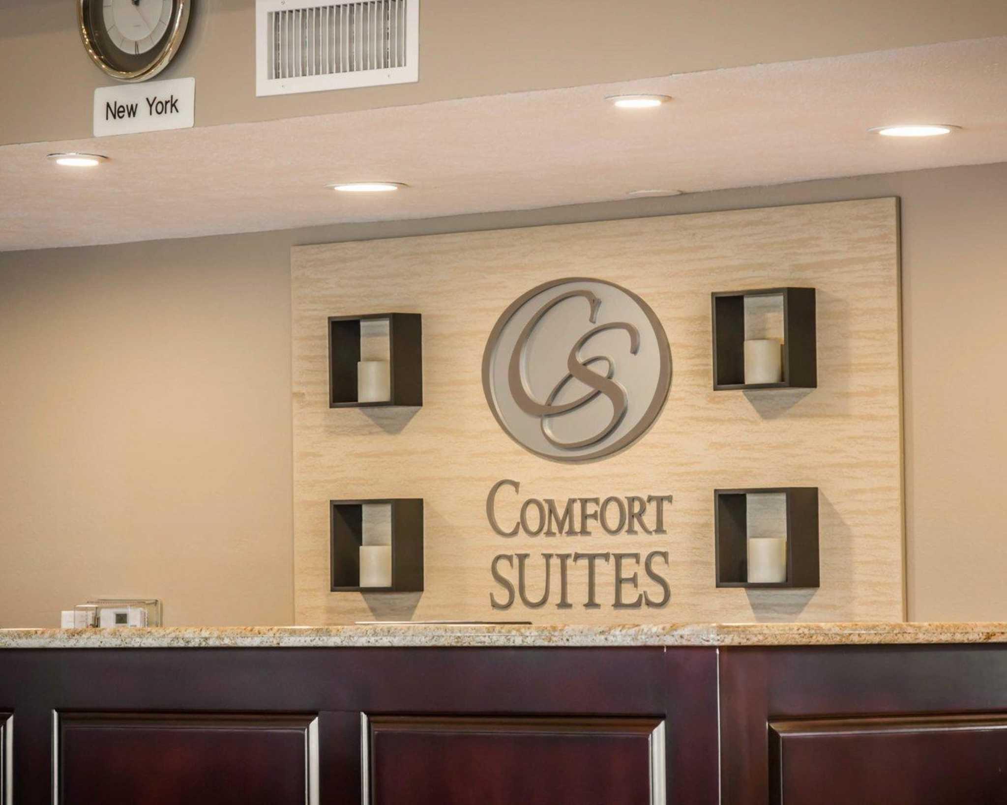 Comfort Suites Huntington Beach image 10