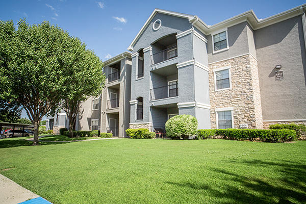 The laurel by cortland at 7000 north beach st fort worth tx on fave for Garden gate apartments fort worth tx