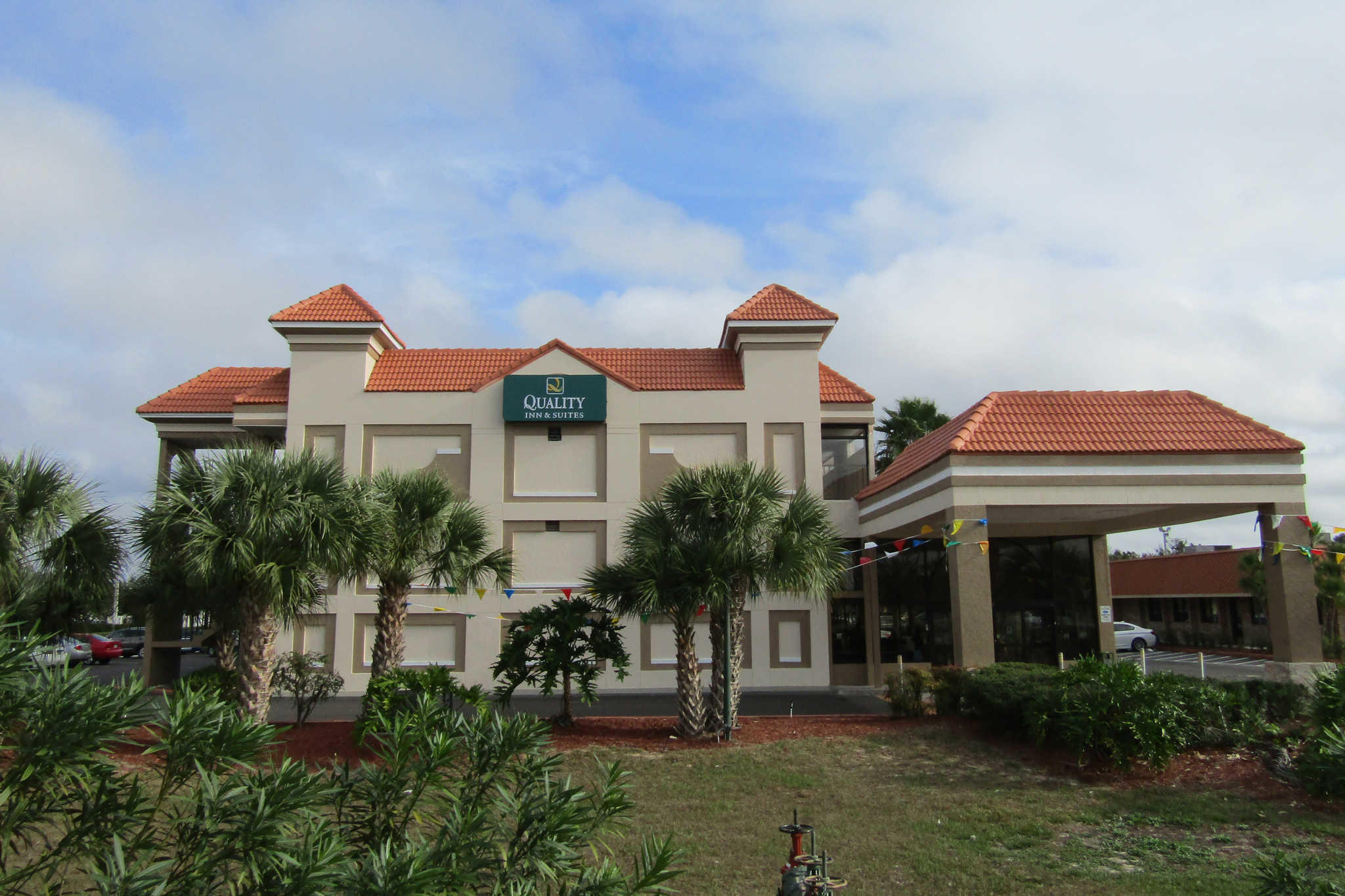 Quality Inn & Suites Kissimmee by The Lake image 0