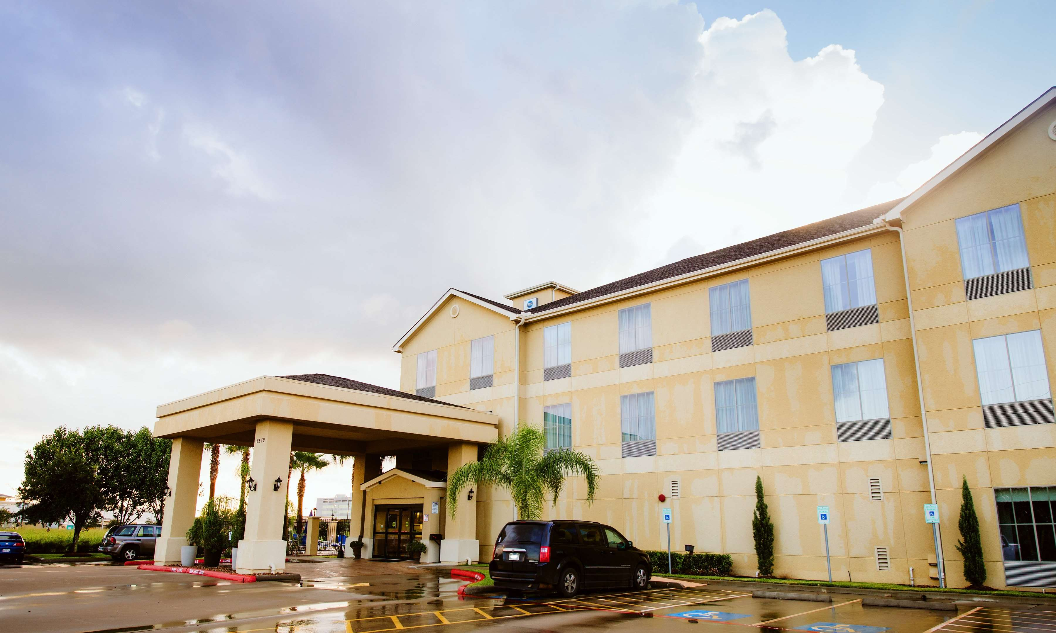 Best Western Sugarland Inn image 4