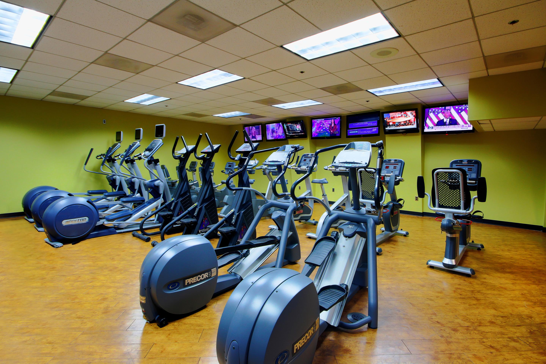 Crunch Fitness - Metro Center image 4