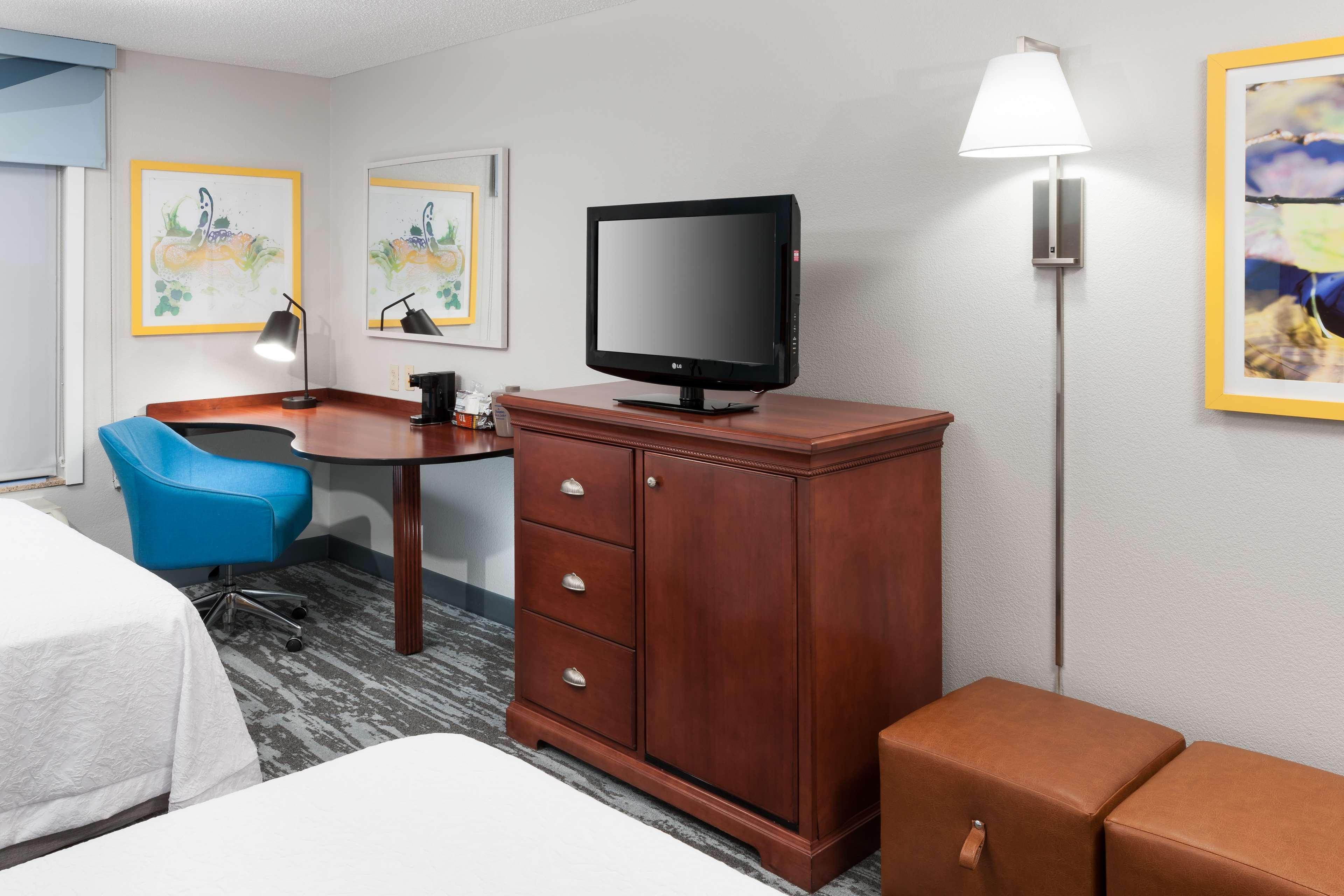 Hampton Inn & Suites Jackson image 29
