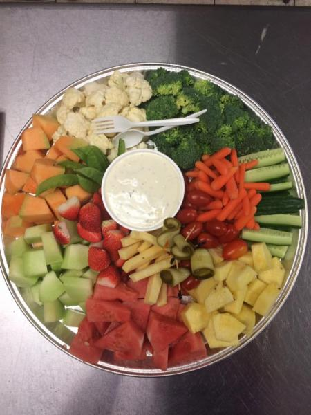 Absolutely Delicious in Sault Ste Marie: Vegetable and Fruit trays available for parties, meetings