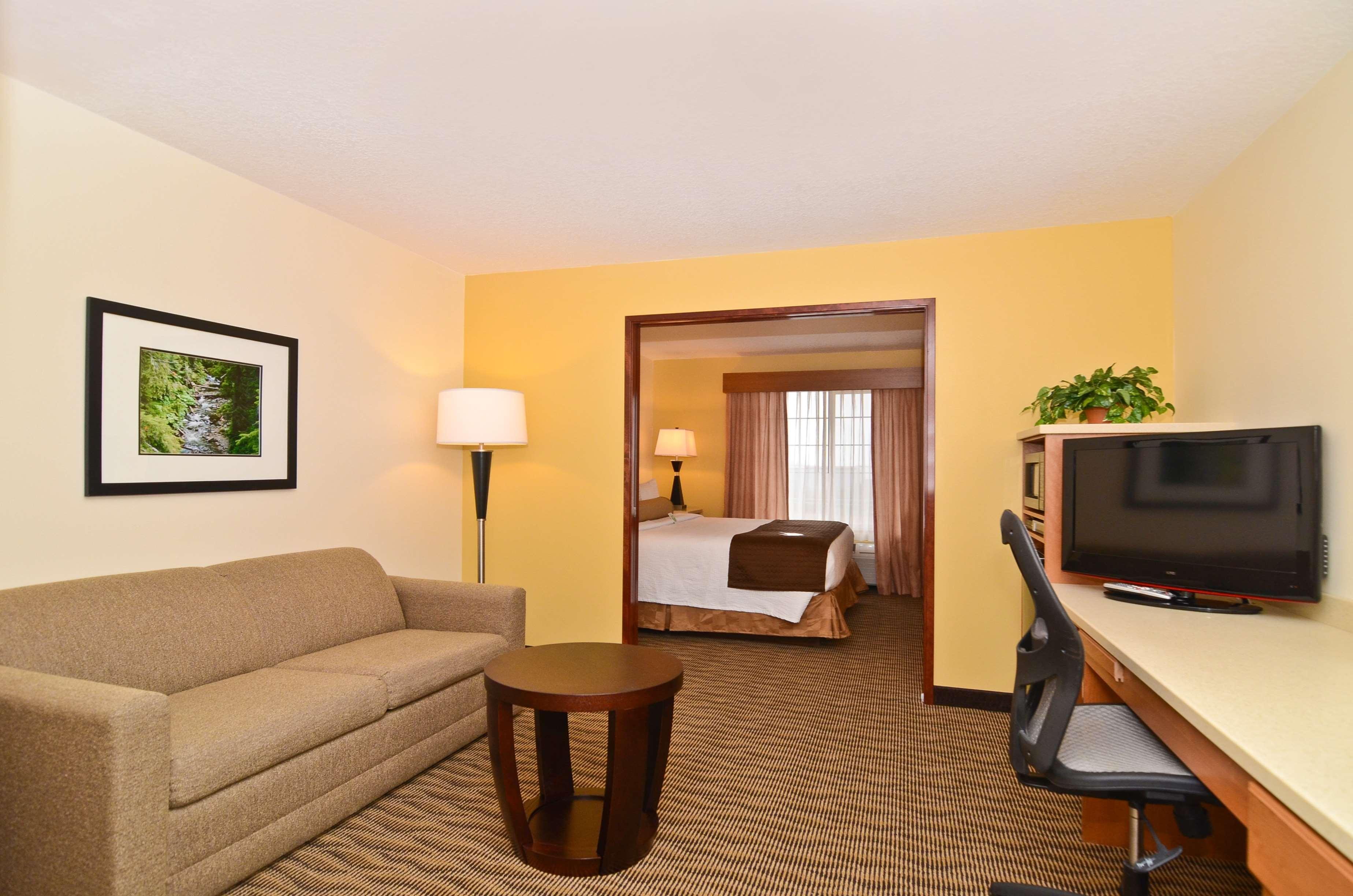 Best Western Plus Park Place Inn & Suites image 31