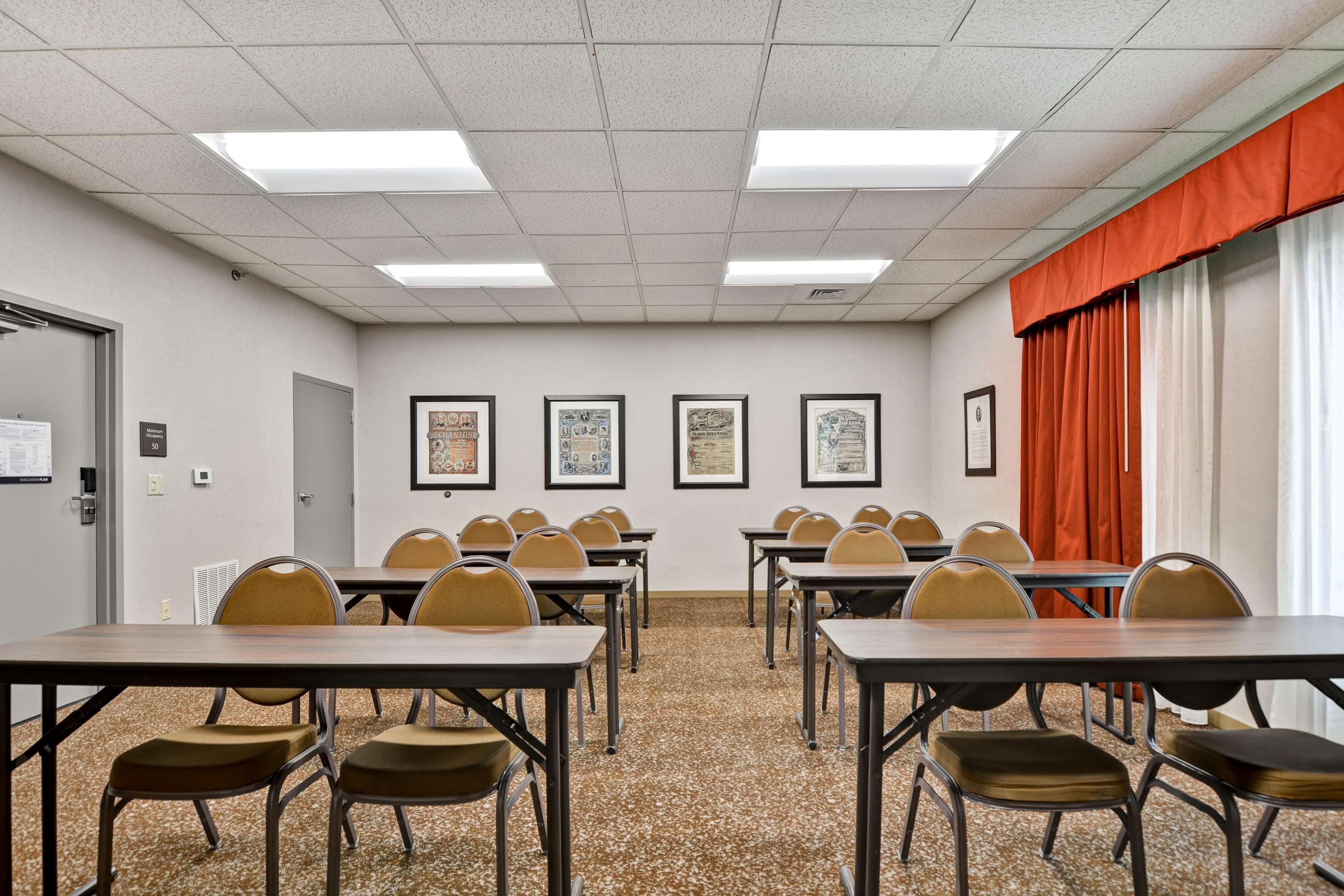 Hampton Inn Scranton At Montage Mountain image 58