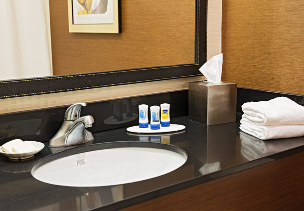 Fairfield Inn & Suites by Marriott Rochester West/Greece image 0