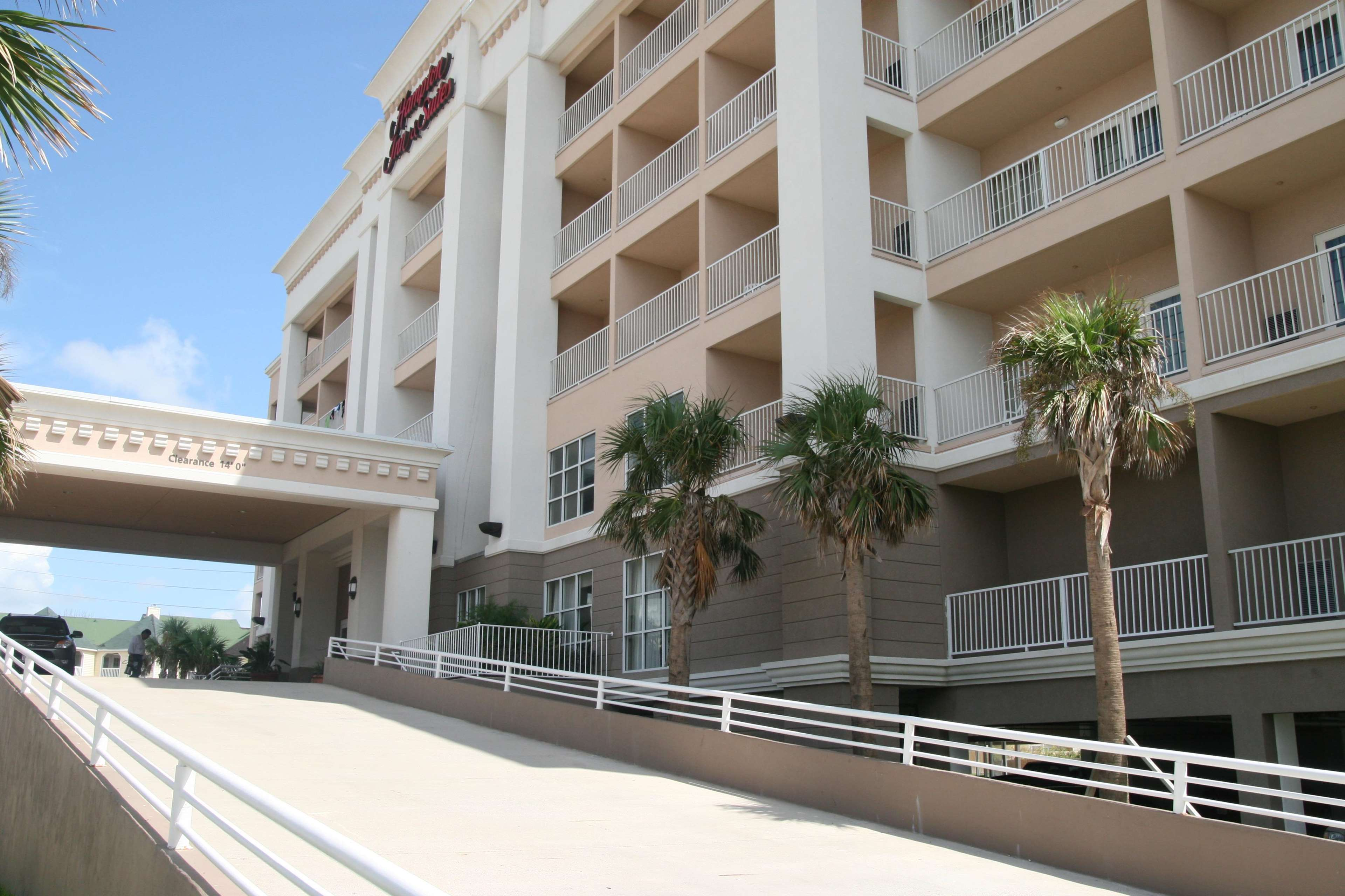 Hampton Inn & Suites Galveston image 3