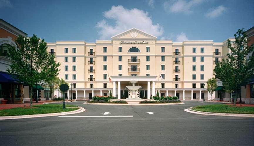 Hampton Inn & Suites Charlotte/South Park at Phillips Place image 2