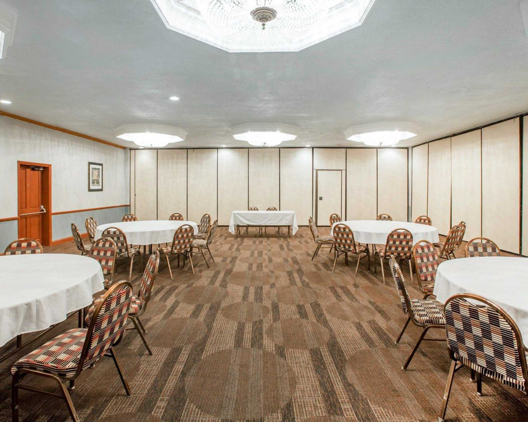 Clarion Inn Conference Center image 23