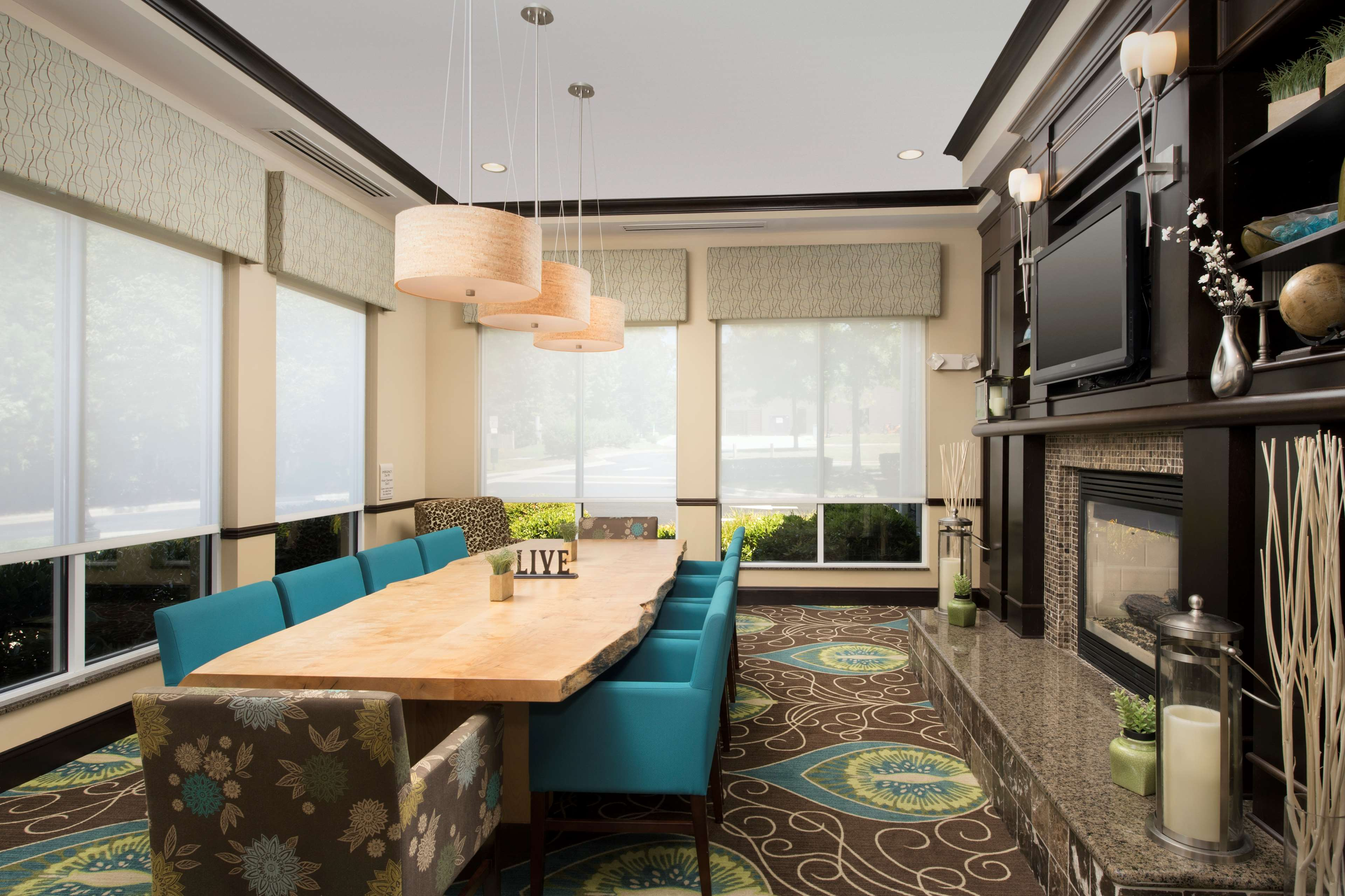 Hilton Garden Inn Winston-Salem/Hanes Mall image 2