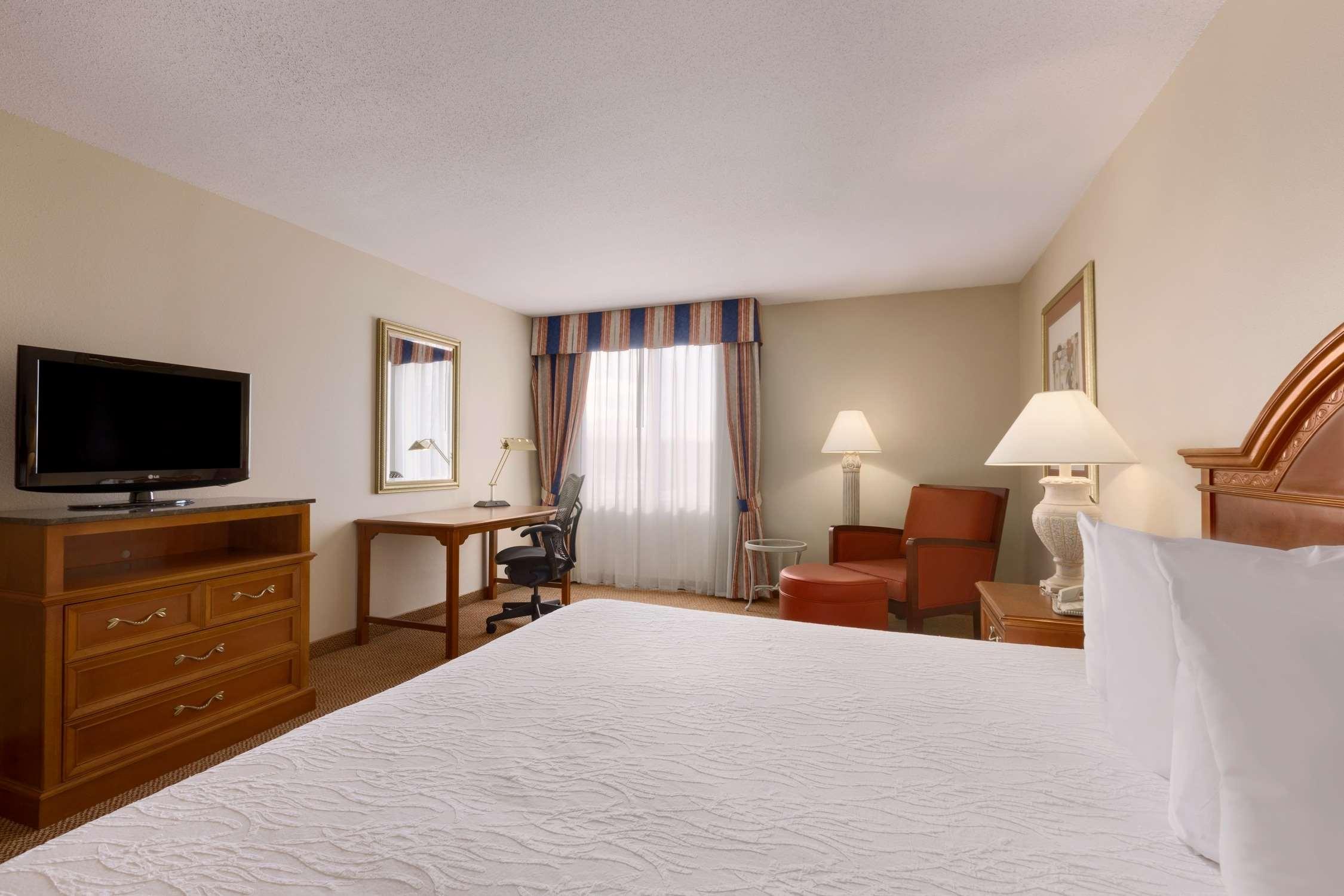 Hilton Garden Inn Syracuse image 11