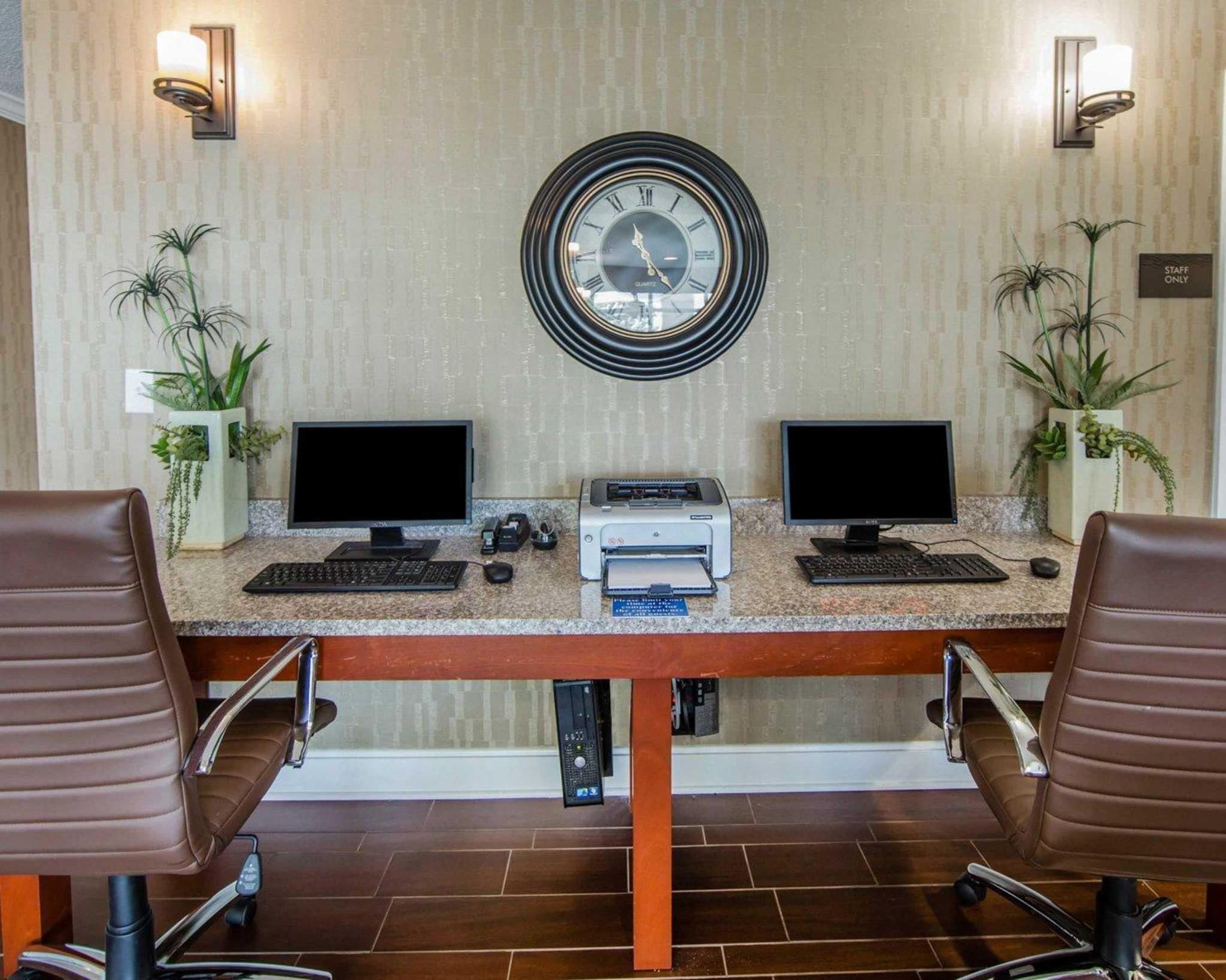 Comfort Inn Apple Valley image 35