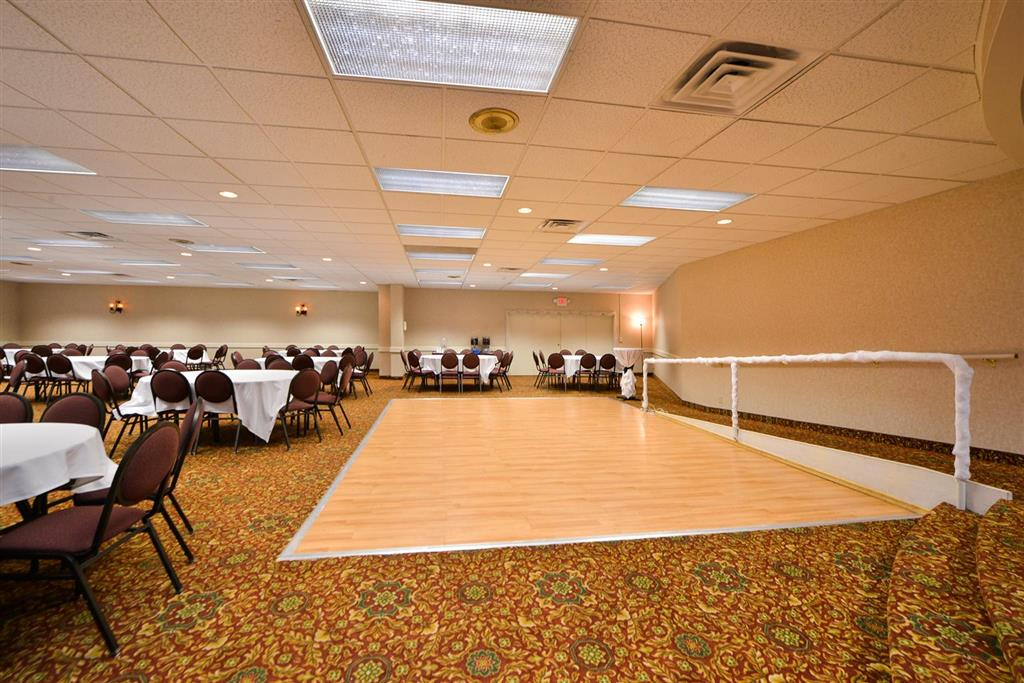 Americas Best Value Inn Albert Lea image 24