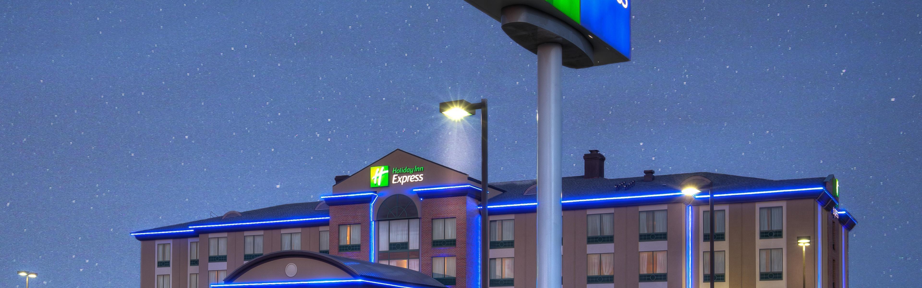 Holiday Inn Express Wichita South image 0