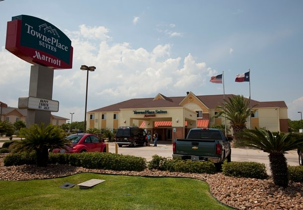 TownePlace Suites by Marriott Lake Jackson Clute image 0