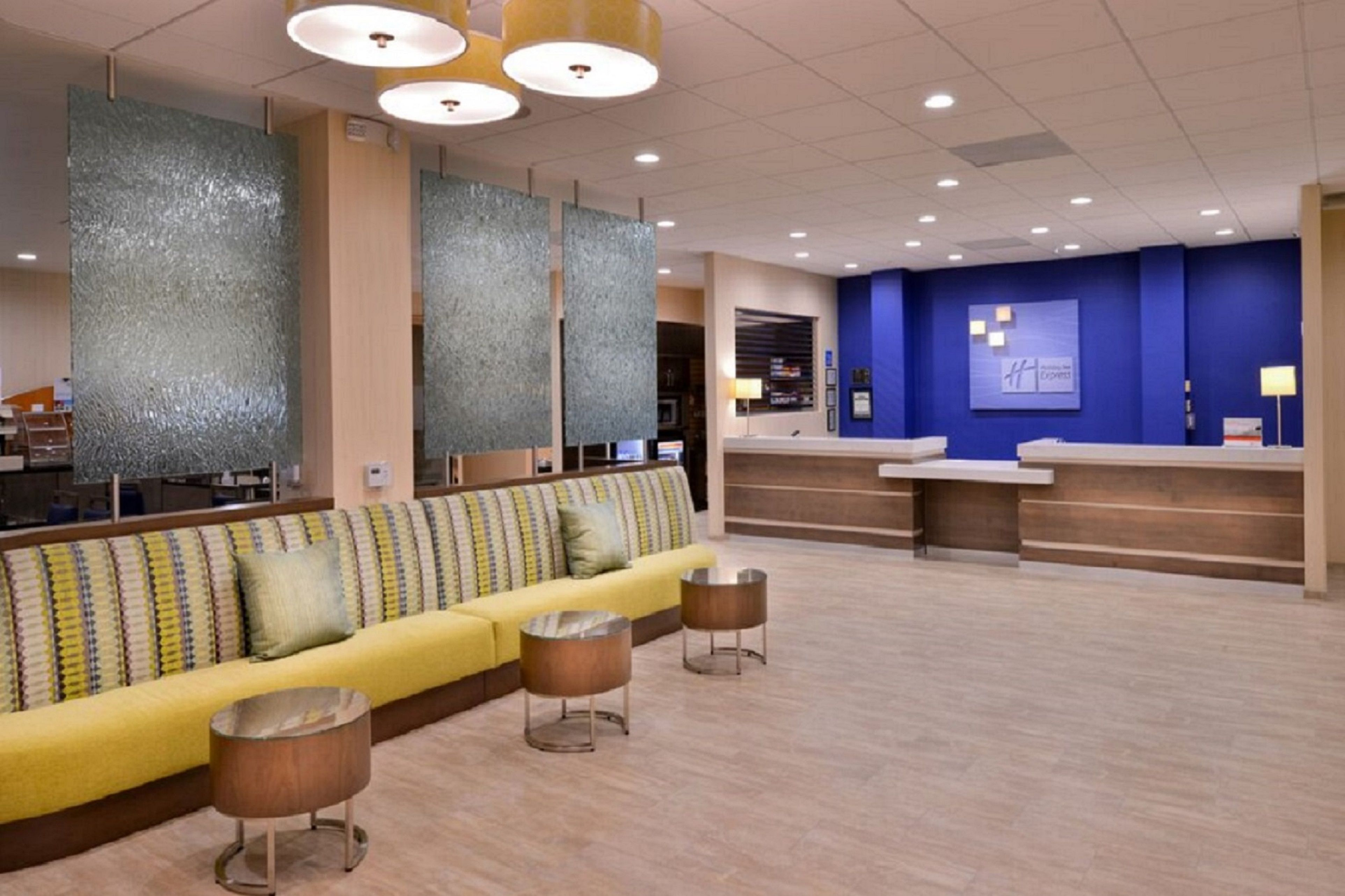 Holiday Inn Express Pasadena-Colorado Blvd. image 4