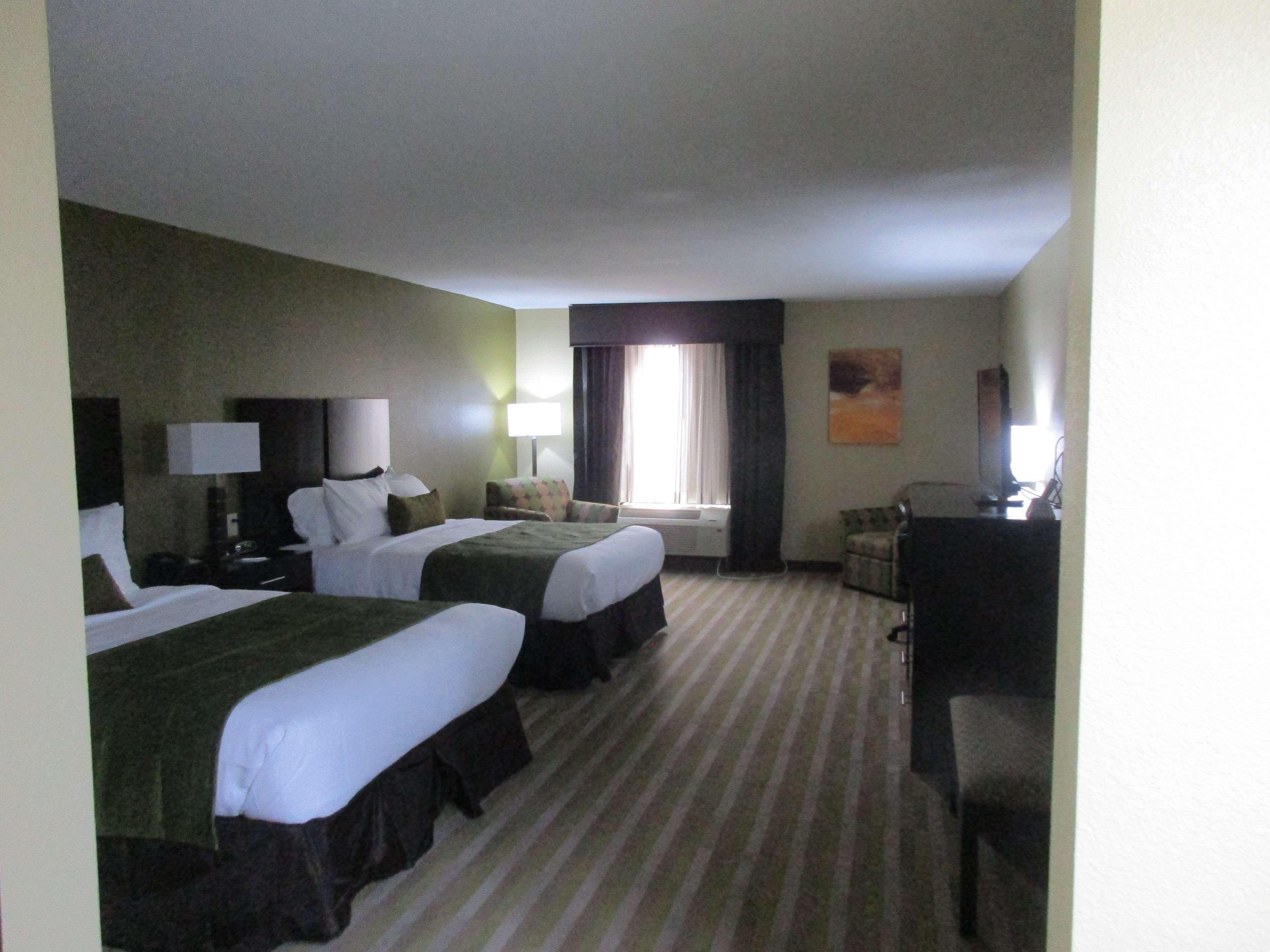 Best Western Plus Jonesboro Inn & Suites image 13