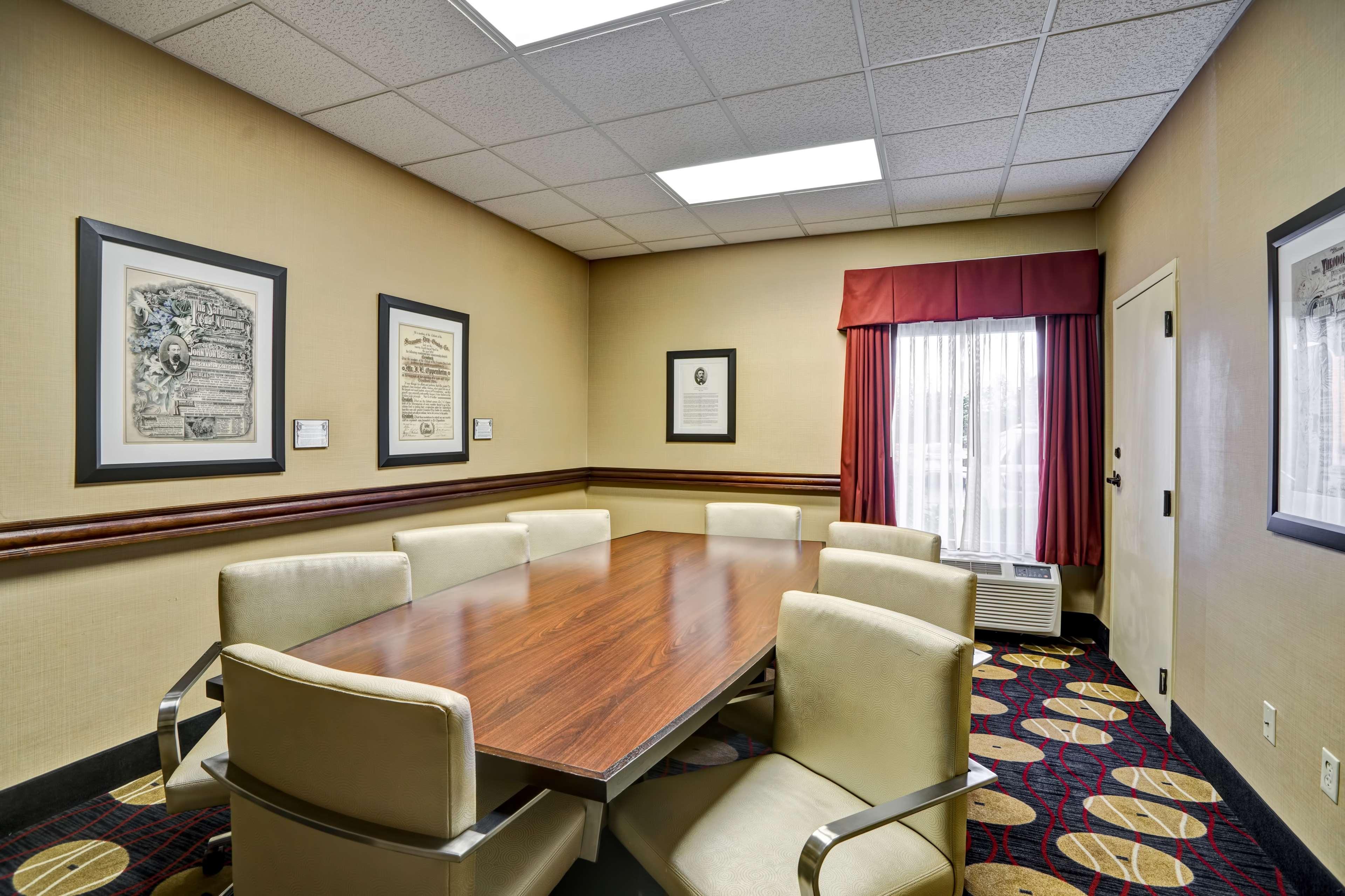 Hampton Inn Scranton At Montage Mountain image 55