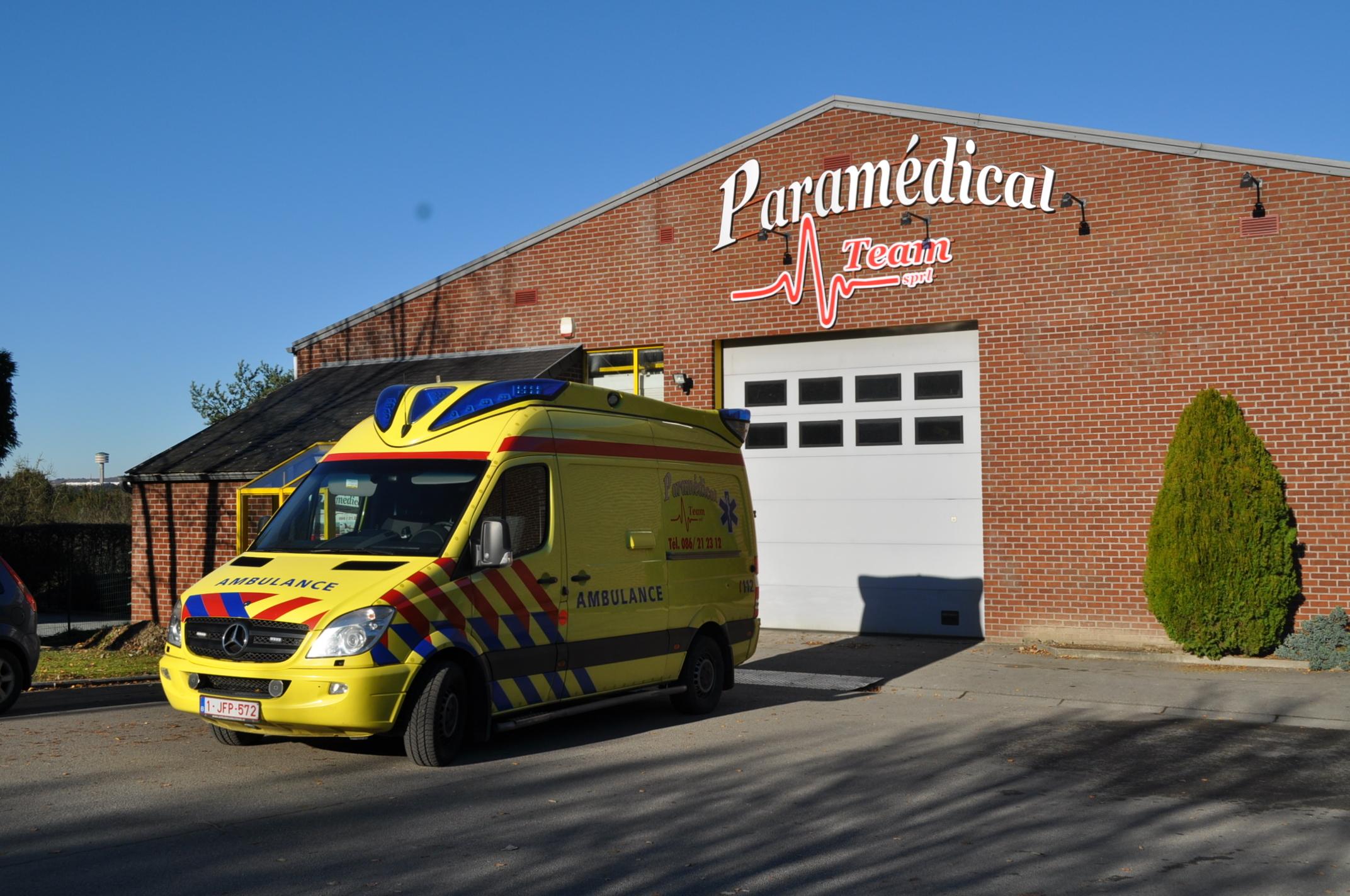Autos - Adaptations pour handicapés - Paramedical Team - service d'ambulance - 1