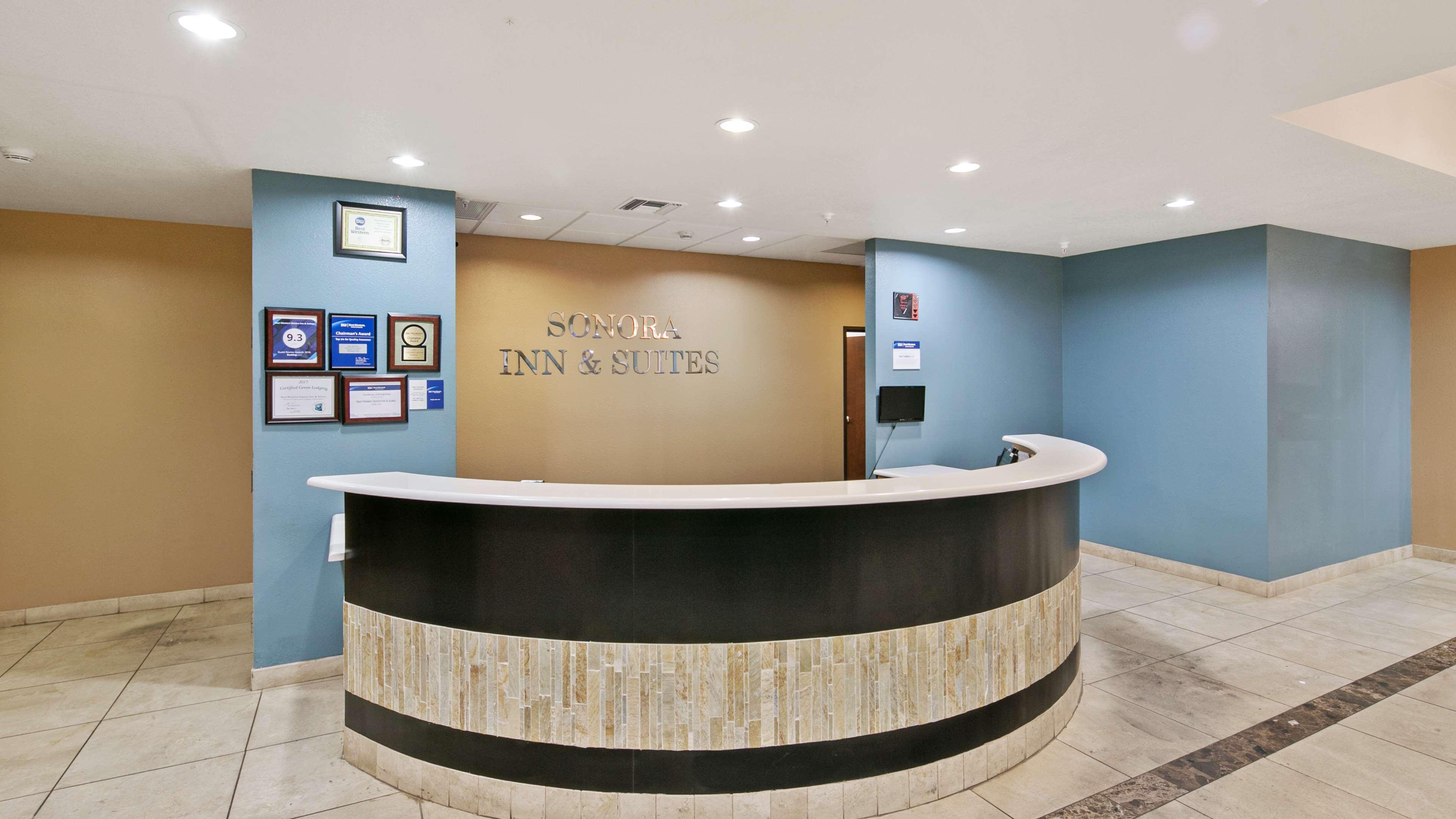 Best Western Sonora Inn & Suites image 2
