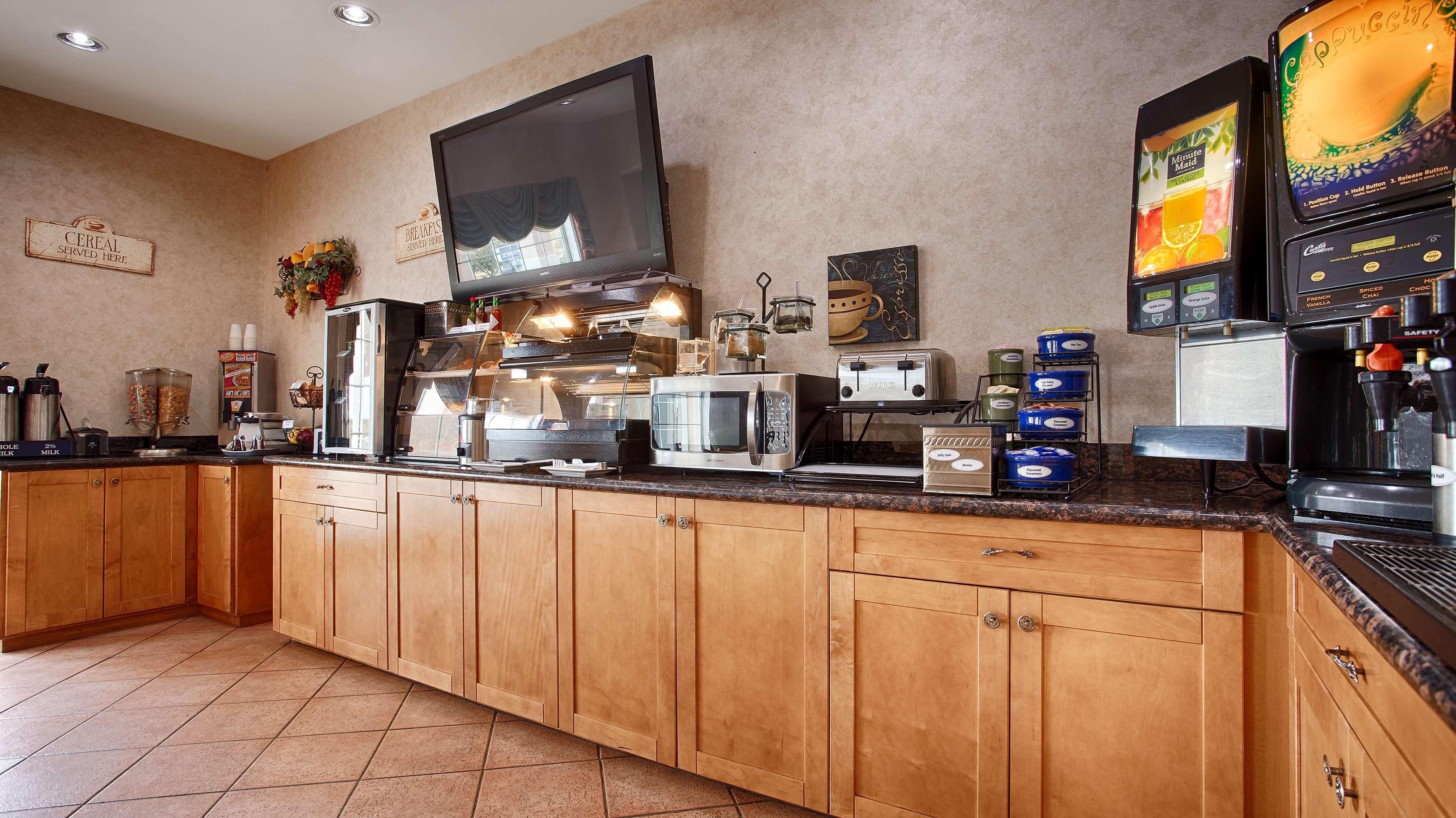 Best Western Club House Inn & Suites image 10