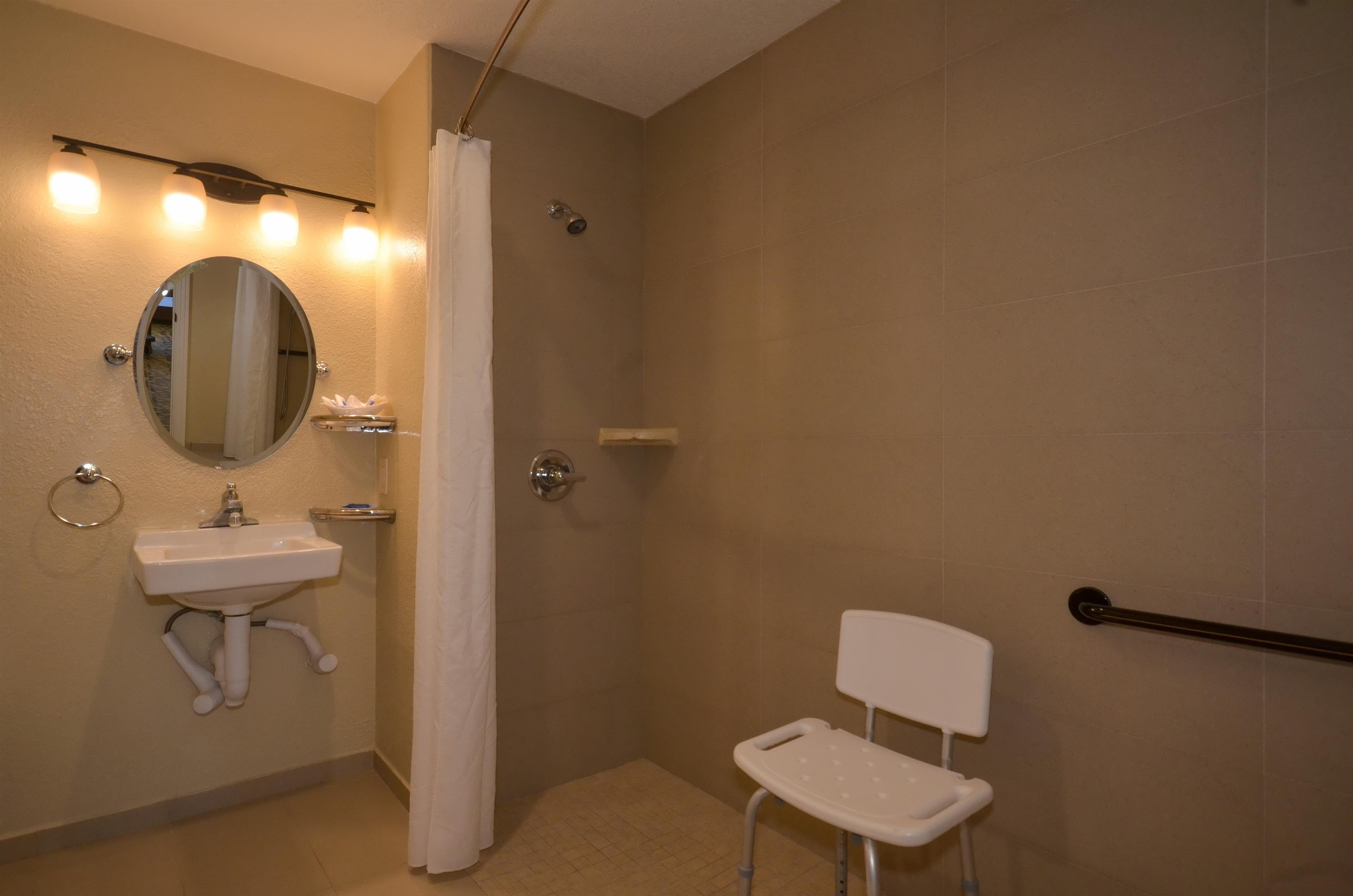 Best Western The Inn & Suites Pacific Grove image 34
